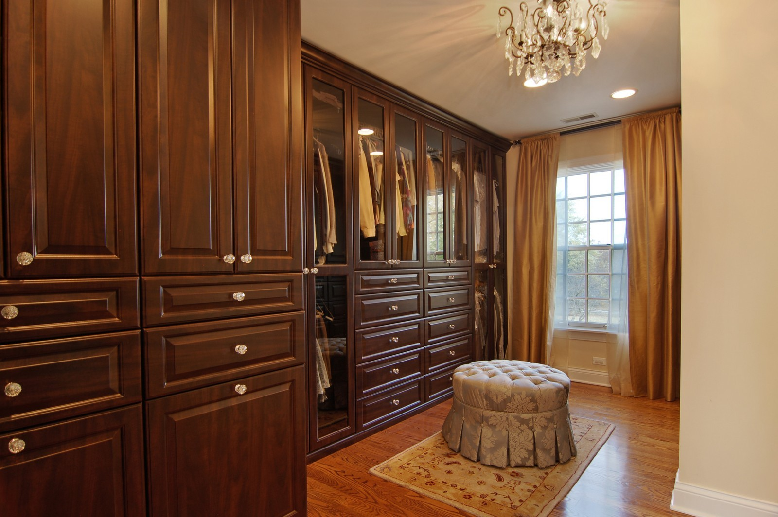 Real Estate Photography - 1655 Pheasant Trl, Inverness, IL, 60067 - Dressing Area