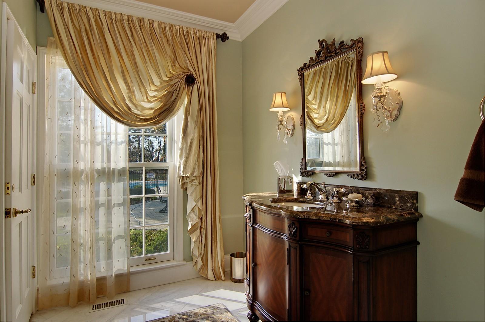Real Estate Photography - 1655 Pheasant Trl, Inverness, IL, 60067 - Half Bath