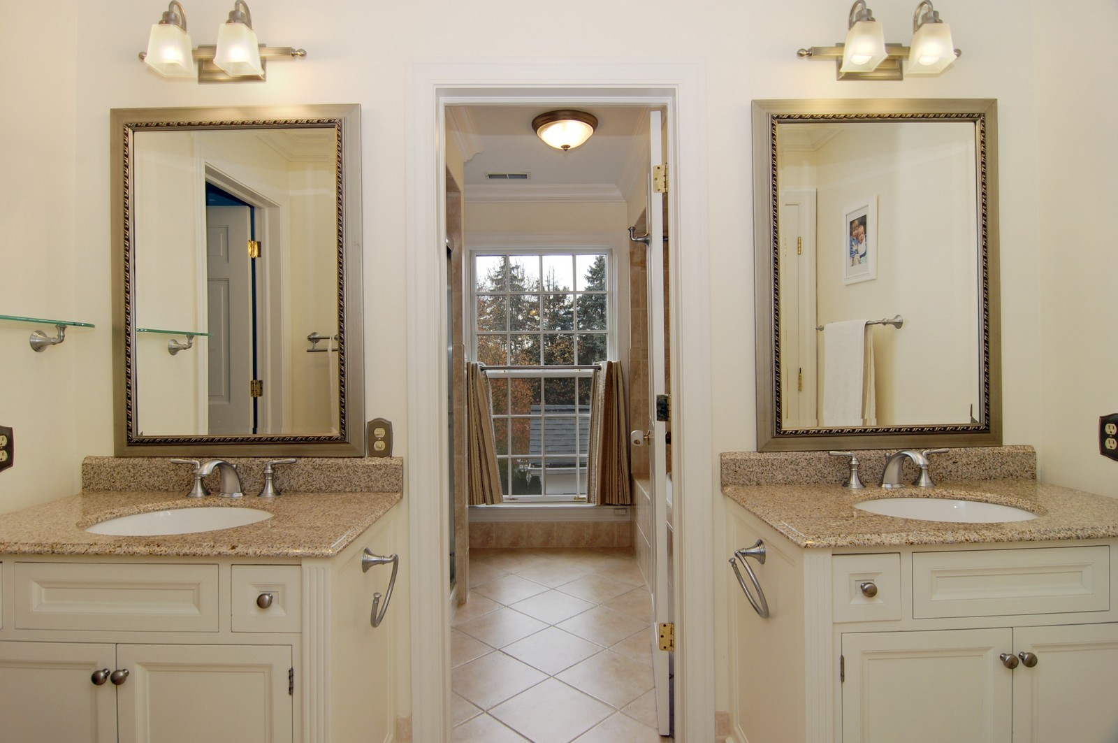 Real Estate Photography - 1655 Pheasant Trl, Inverness, IL, 60067 - 2nd Bathroom