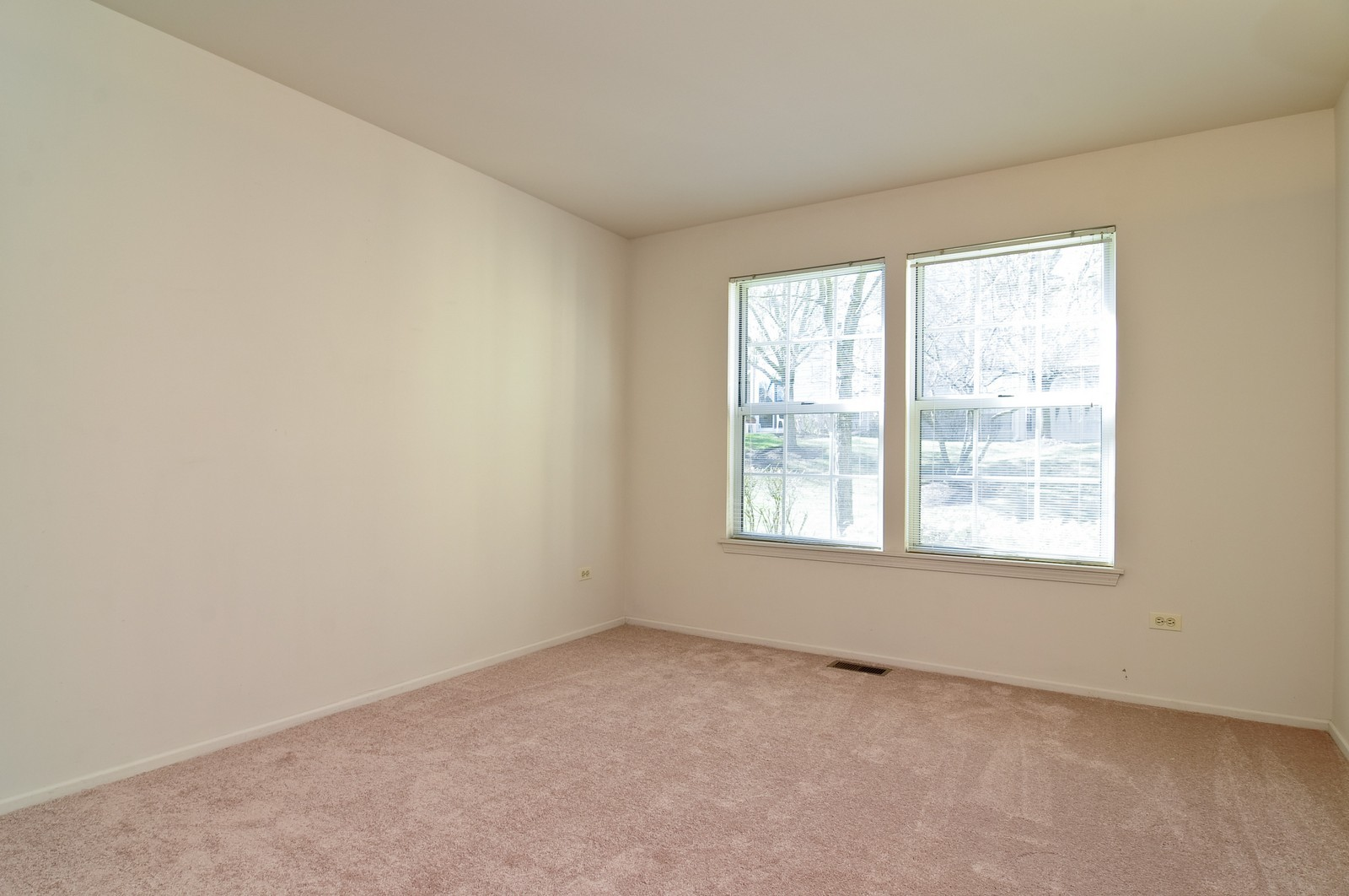 Real Estate Photography - 534A Penny Lane, Crystal Lake, IL, 60014 - Master Bedroom
