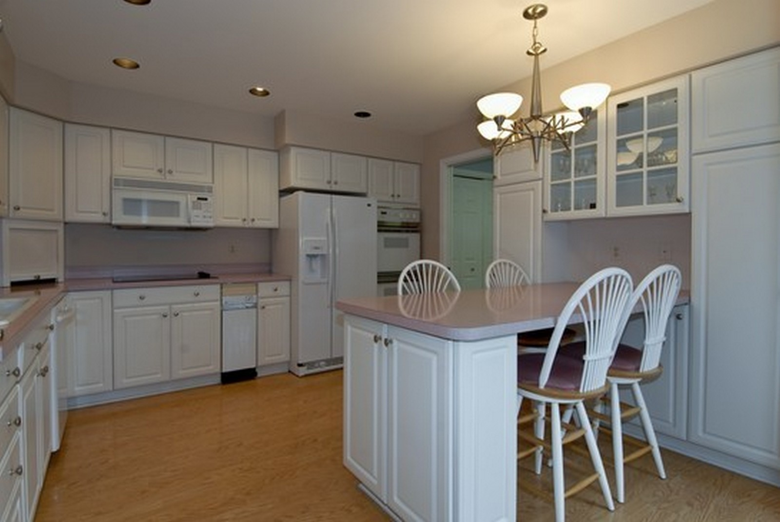 Real Estate Photography - 2608 Miller Rd, Geneva, IL, 60134 - Kitchen