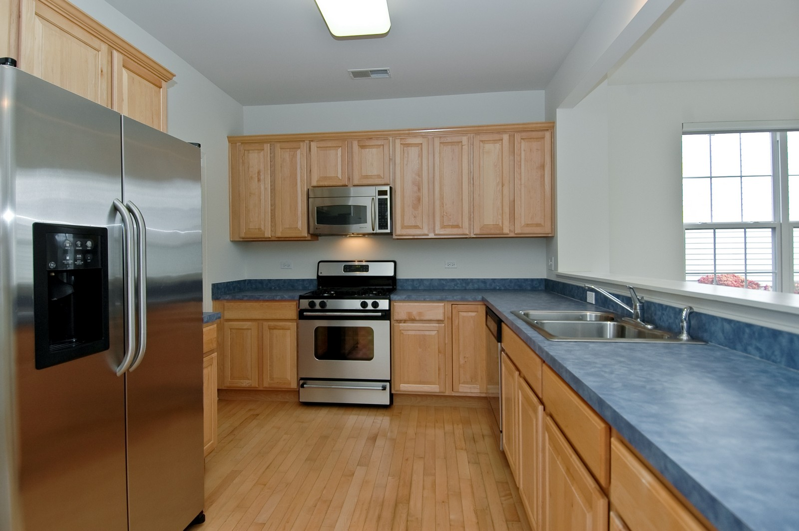 Real Estate Photography - 12344 Arlington Dr, Huntley, IL, 60142 - Kitchen