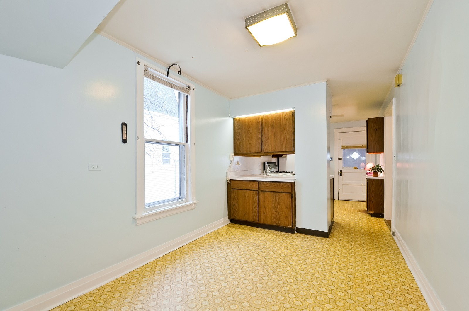 Real Estate Photography - 4435 N Avers Ave, Chicago, IL, 60625 - Kitchen / Breakfast Room