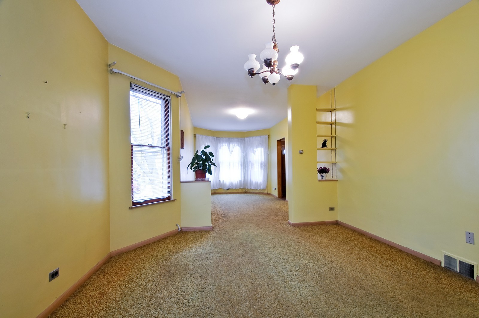 Real Estate Photography - 4435 N Avers Ave, Chicago, IL, 60625 - Living Room / Dining Room