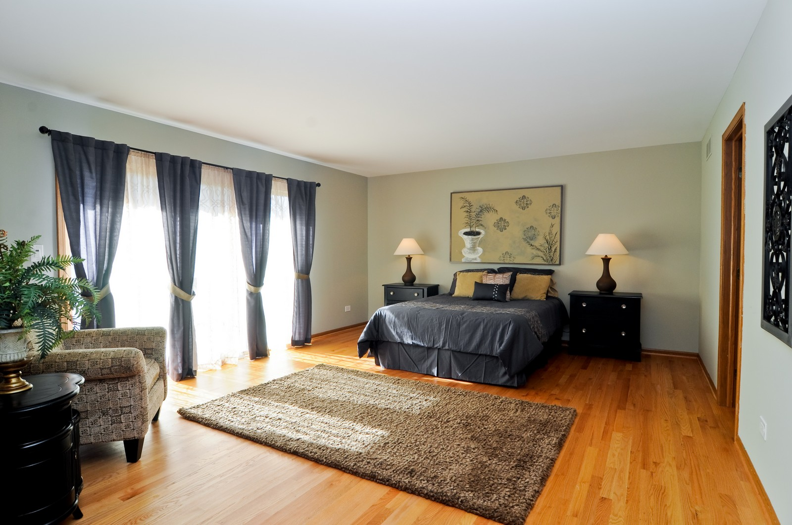 Real Estate Photography - 425 Bradwell Rd, Barrington, IL, 60010 - Master Bedroom