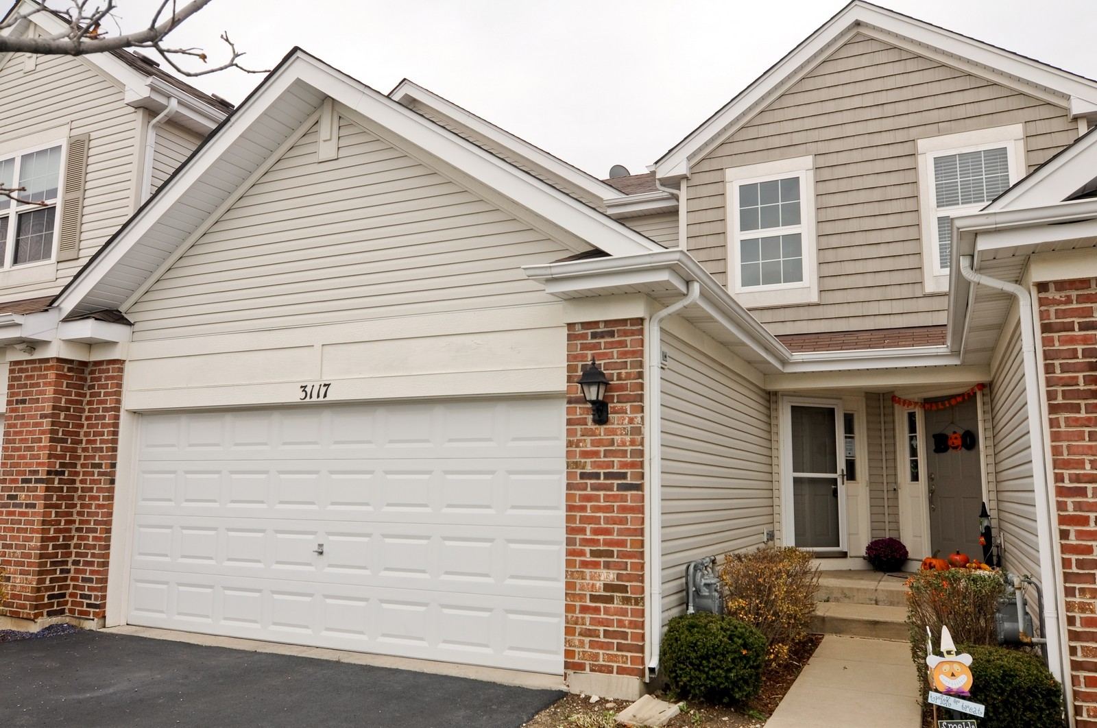Real Estate Photography - 3117 Shenandoah Ln, Woodstock, IL, 60098 - Front View