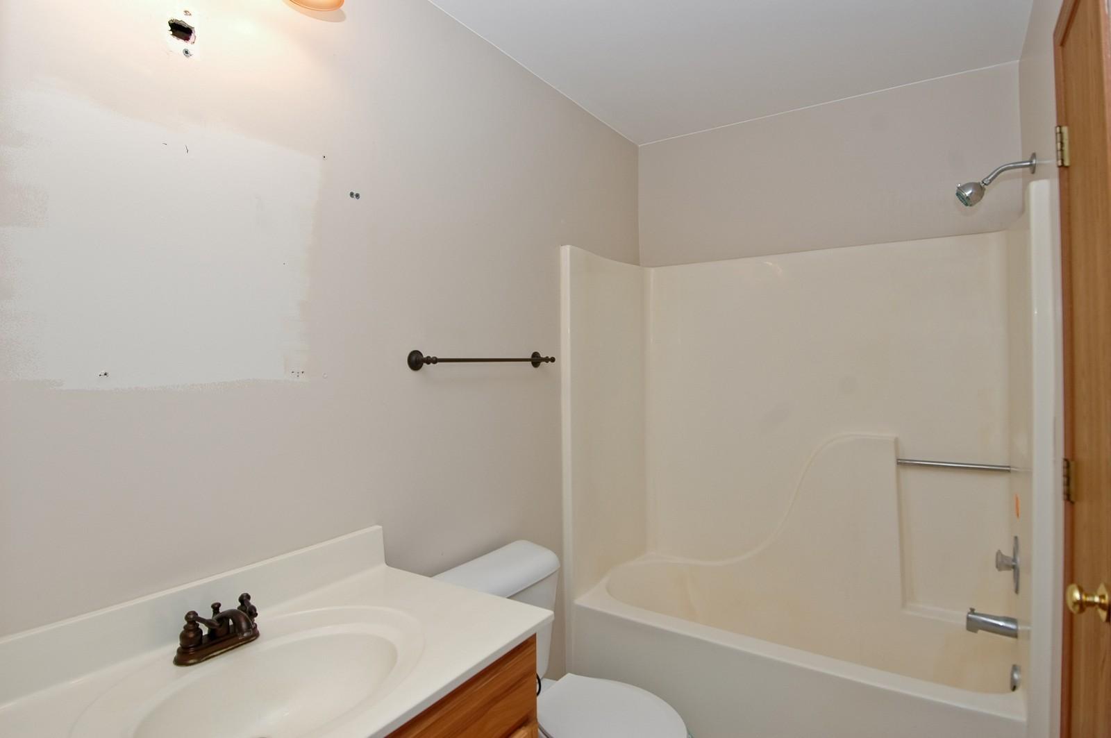 Real Estate Photography - 4314 Shamrock Ln, Unit 3B, McHenry, IL, 60050 - Bathroom