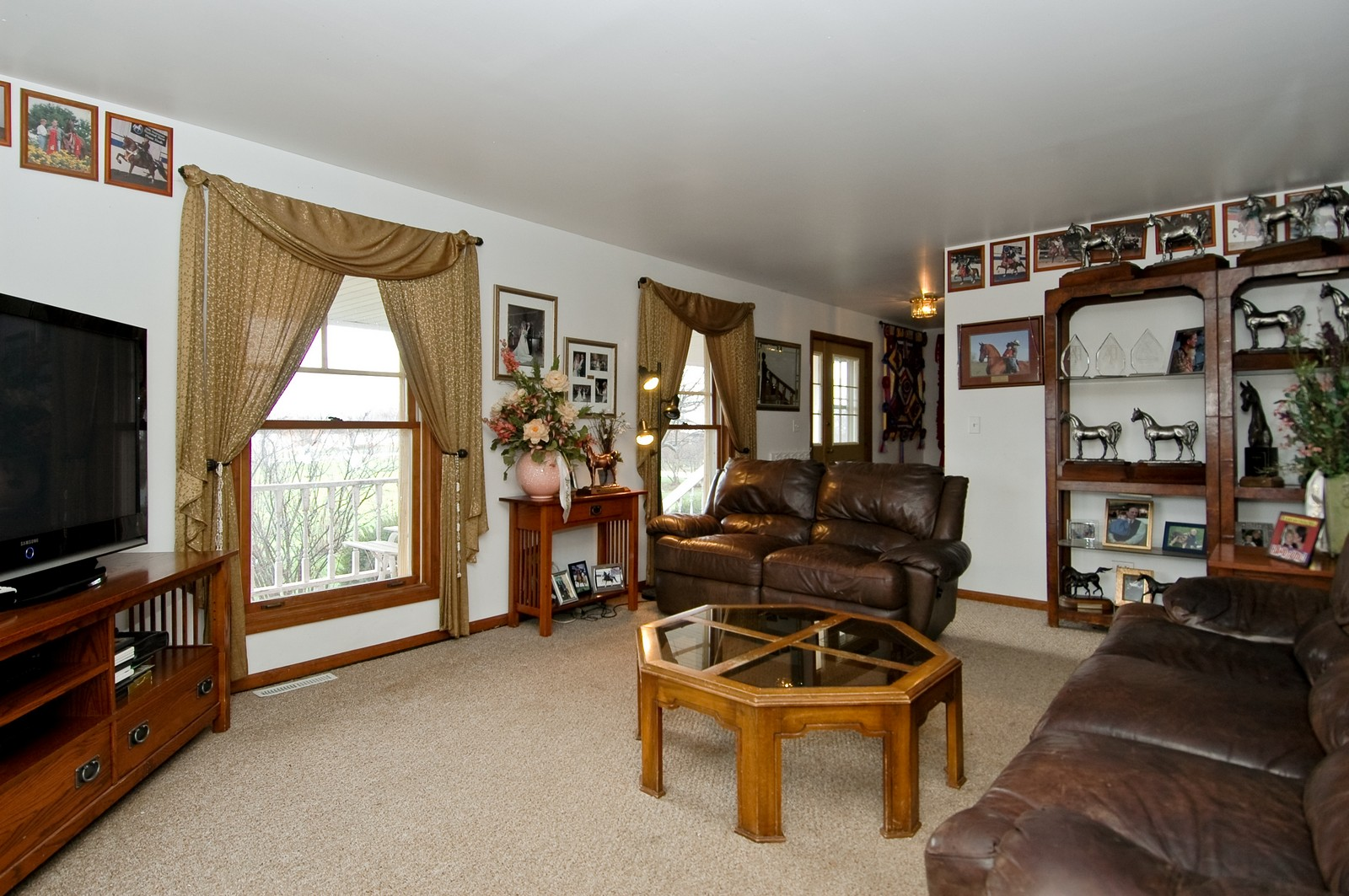 Real Estate Photography - 9006 W Wonder Lake Rd, Woodstock, IL, 60098 - Living Room
