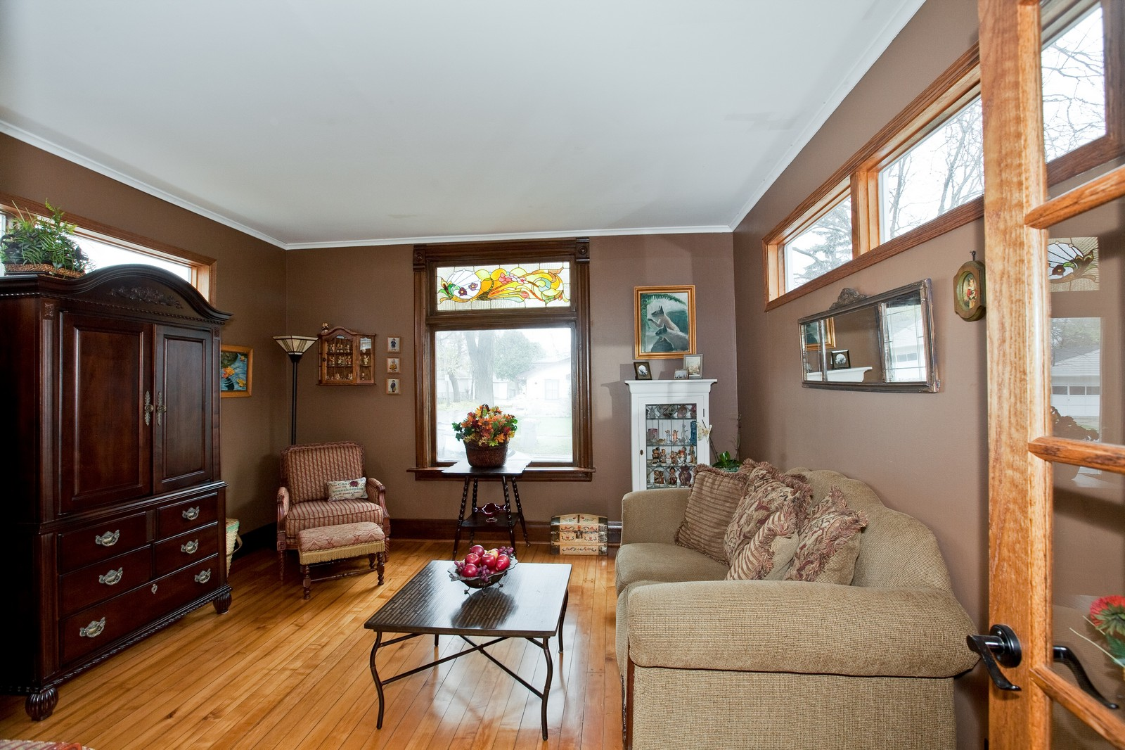 Real Estate Photography - 512 Prairie Ave, Downers Grove, IL, 60515 - Family Room