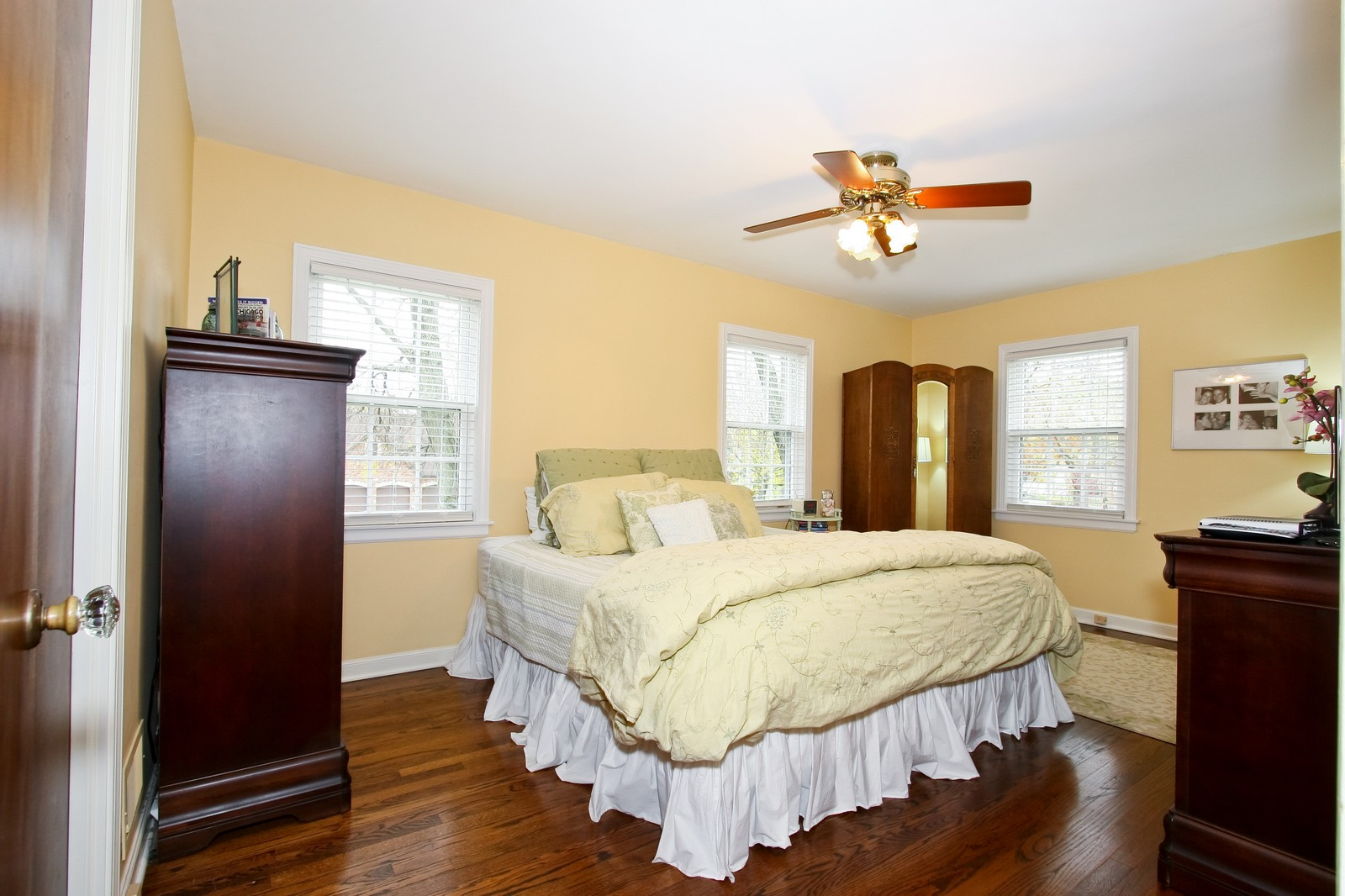 Real Estate Photography - 2235 Hutchison Rd, Flossmoor, IL, 60422 - Master Bedroom