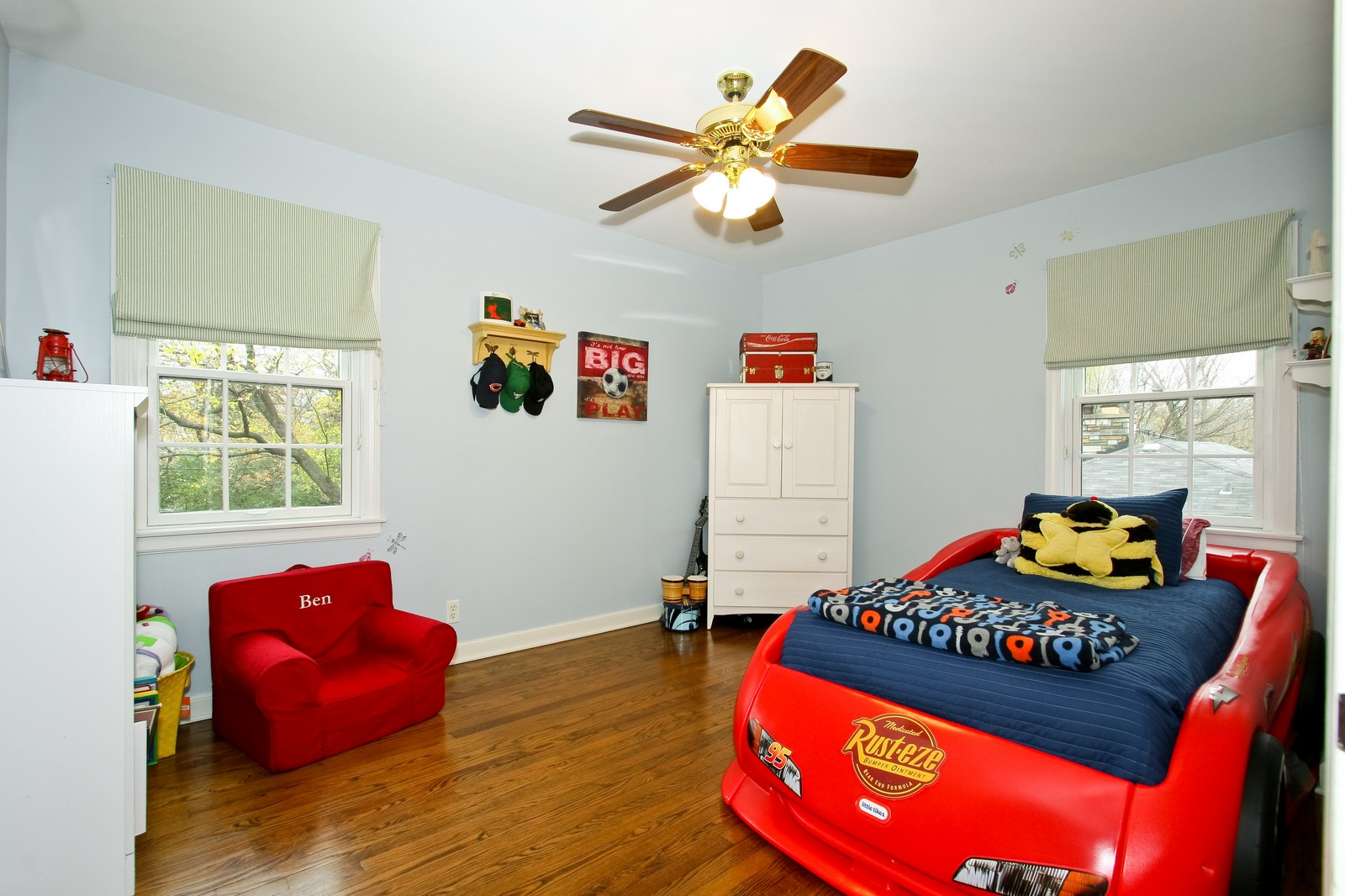 Real Estate Photography - 2235 Hutchison Rd, Flossmoor, IL, 60422 - 3rd Bedroom