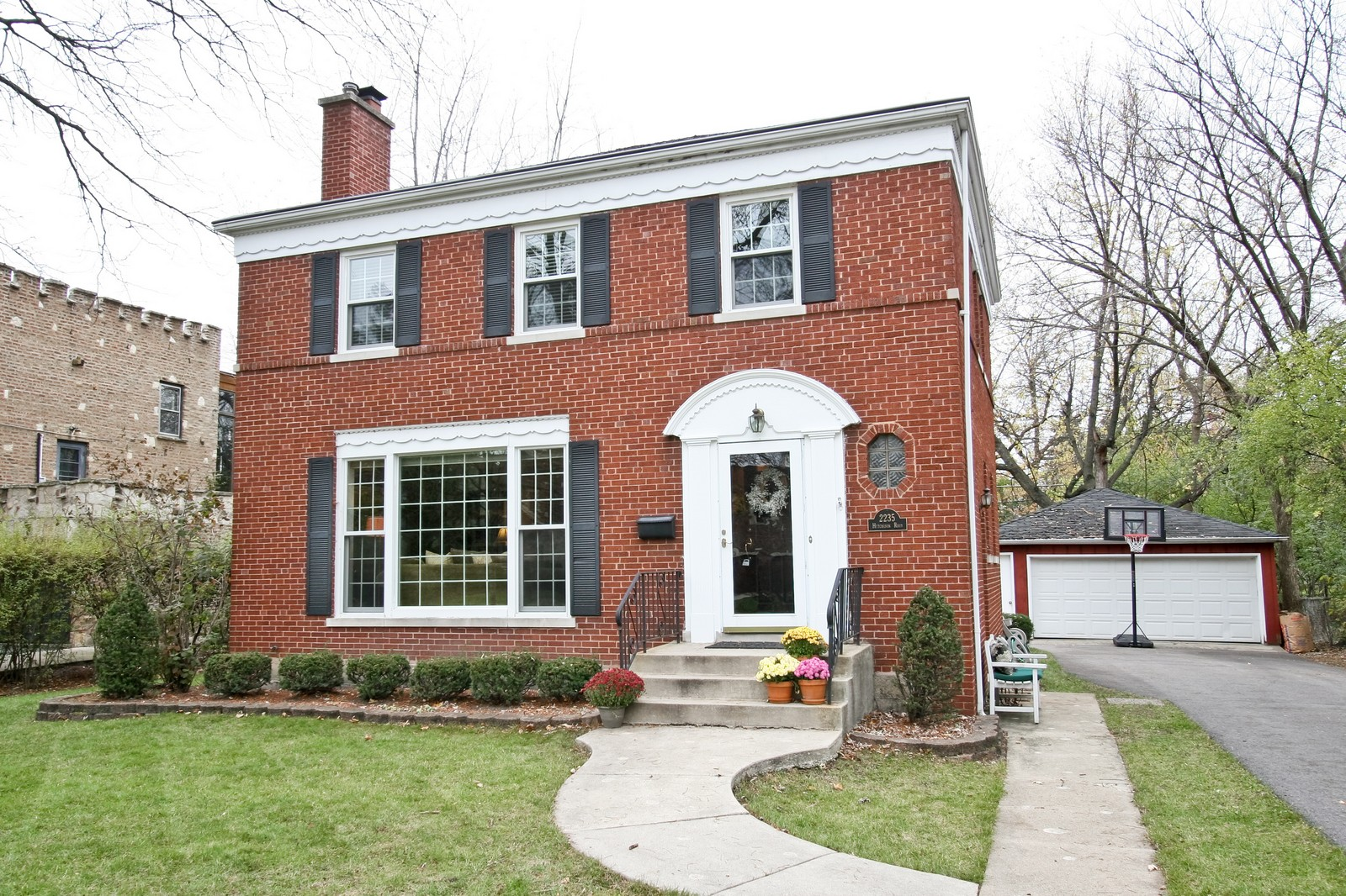 Real Estate Photography - 2235 Hutchison Rd, Flossmoor, IL, 60422 - Front View