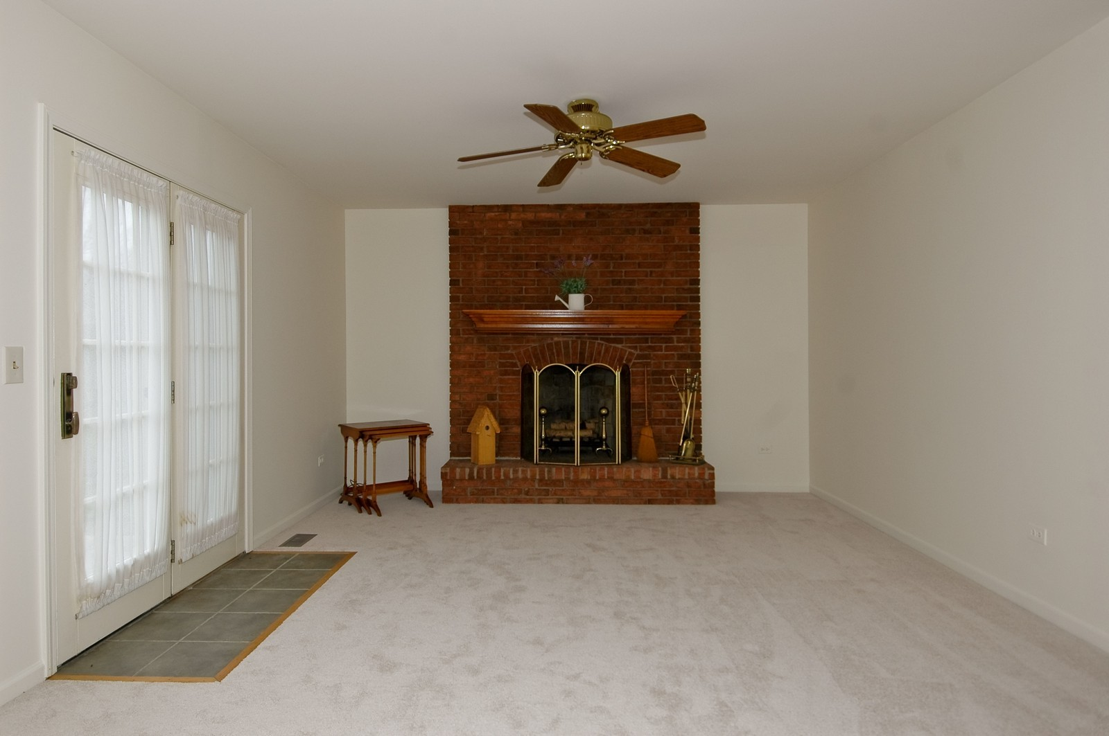 Real Estate Photography - 403 Essex Rd, Fox River Grove, IL, 60021 - Family Room