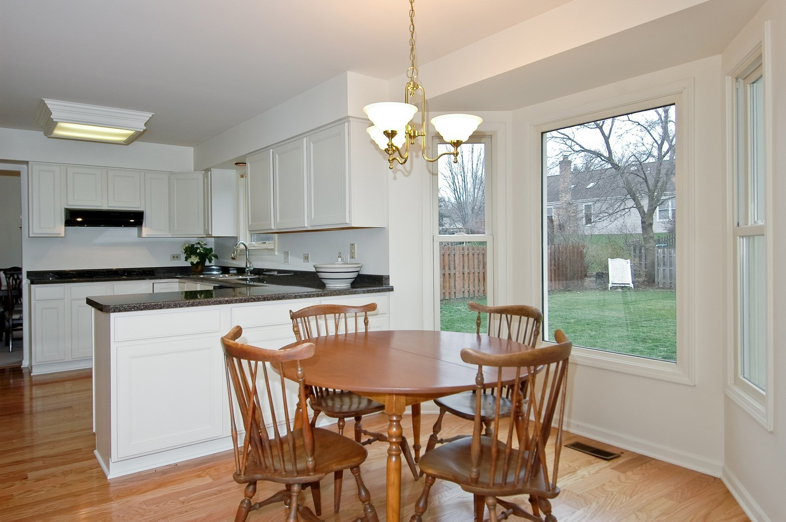 Real Estate Photography - 403 Essex Rd, Fox River Grove, IL, 60021 - Kitchen