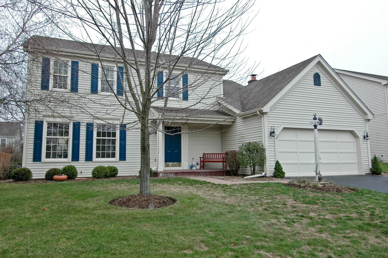 Real Estate Photography - 403 Essex Rd, Fox River Grove, IL, 60021 - Front View