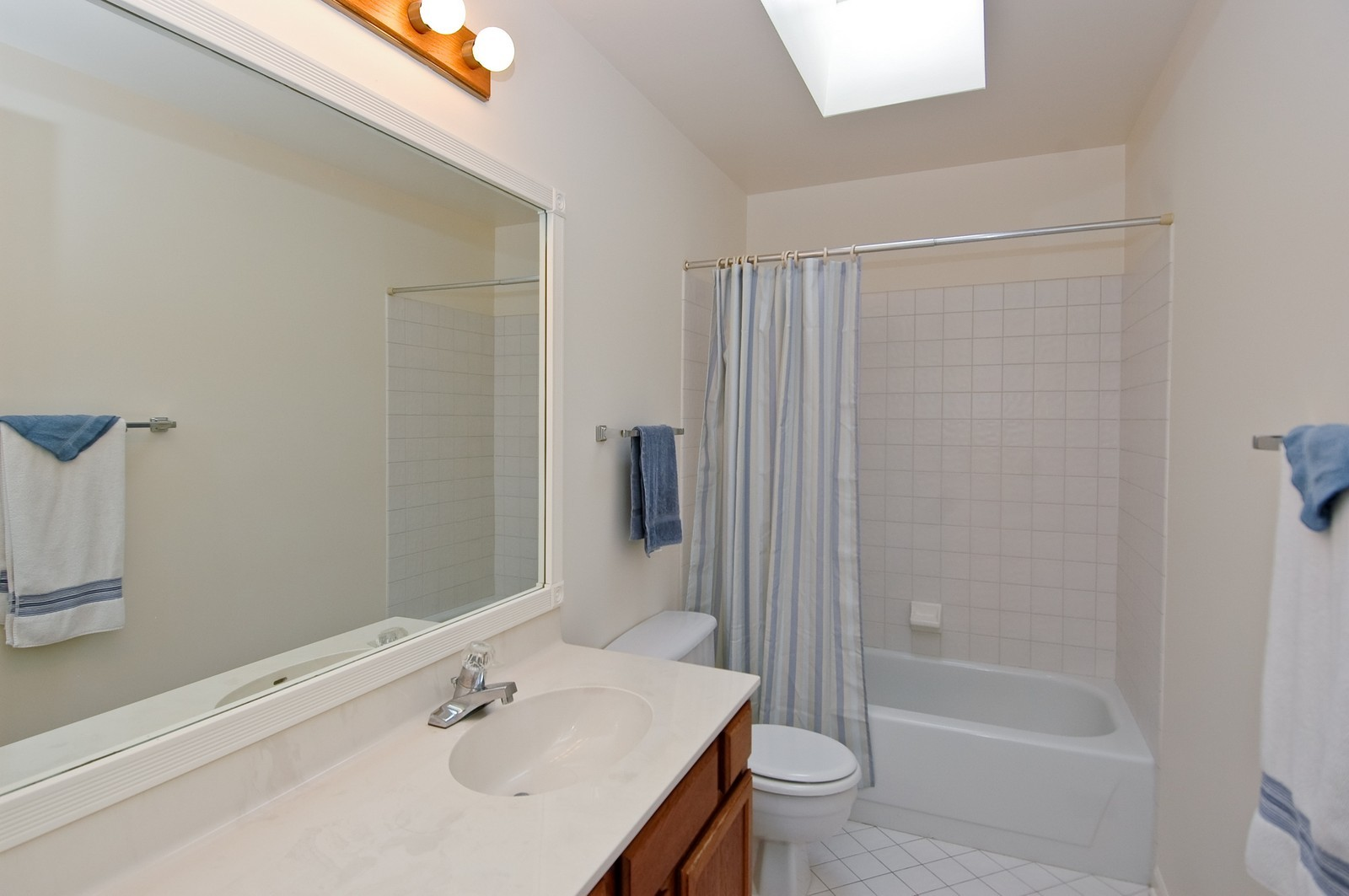Real Estate Photography - 403 Essex Rd, Fox River Grove, IL, 60021 - Bathroom