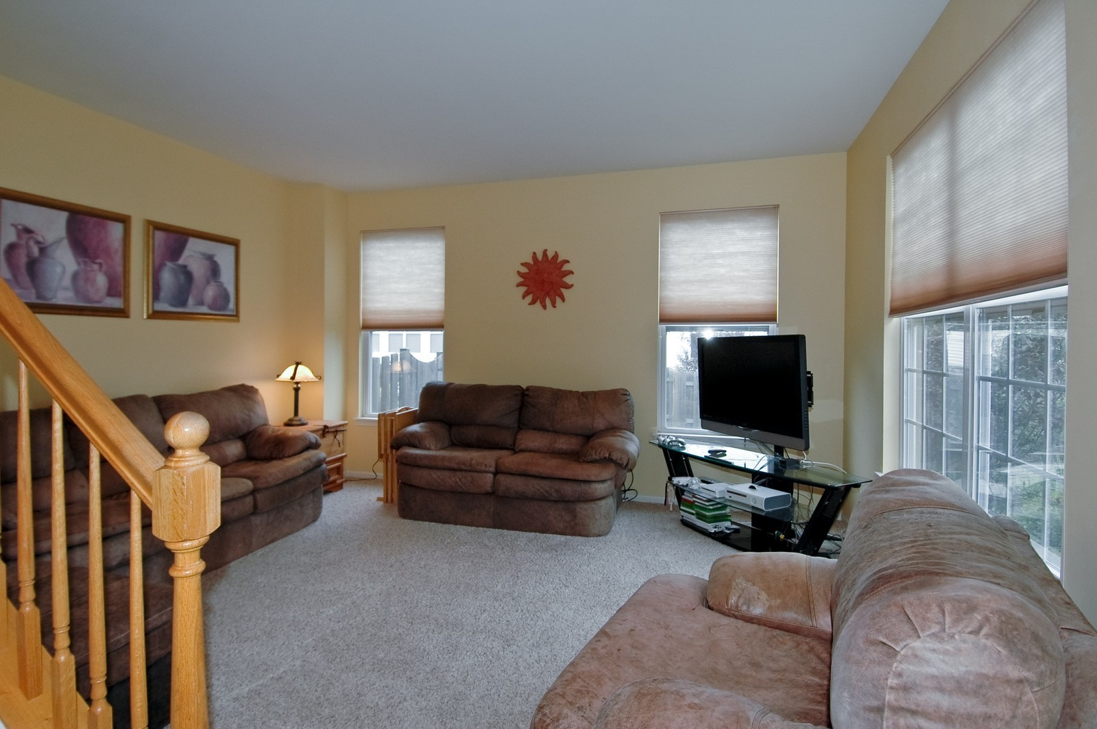 Real Estate Photography - 561 Golden Valley Ln, Algonquin, IL, 60102 - Living Room