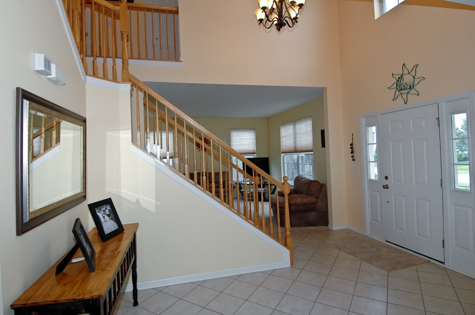 Real Estate Photography - 561 Golden Valley Ln, Algonquin, IL, 60102 - Foyer