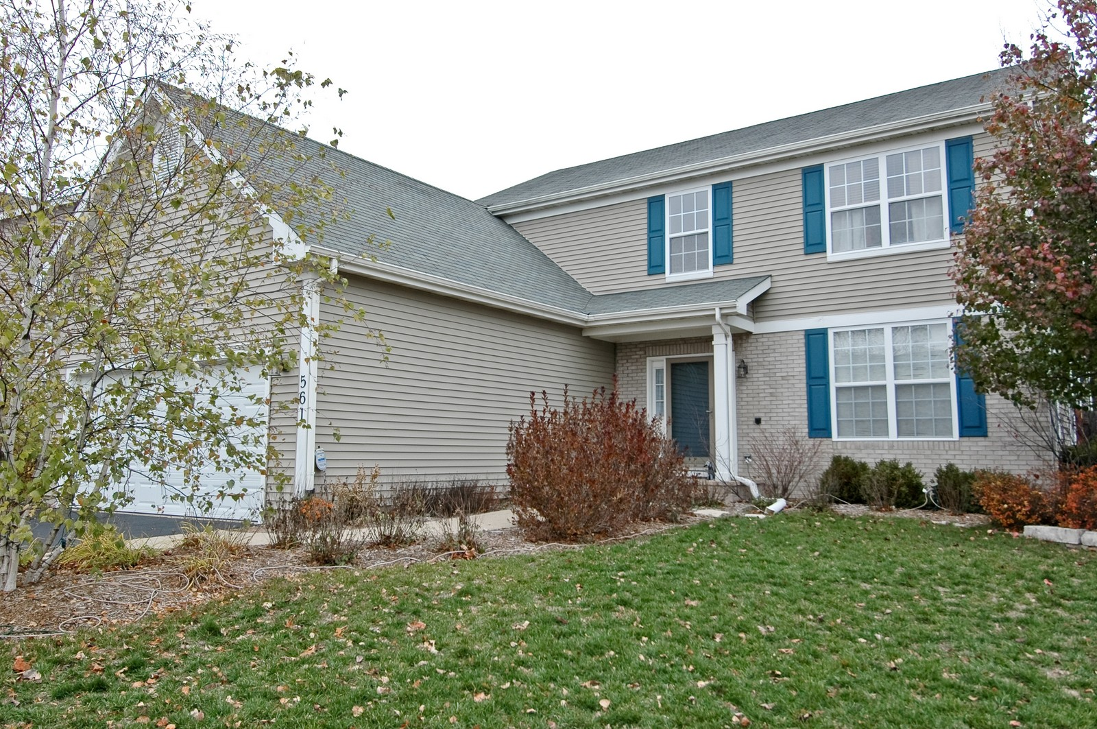 Real Estate Photography - 561 Golden Valley Ln, Algonquin, IL, 60102 - Front View