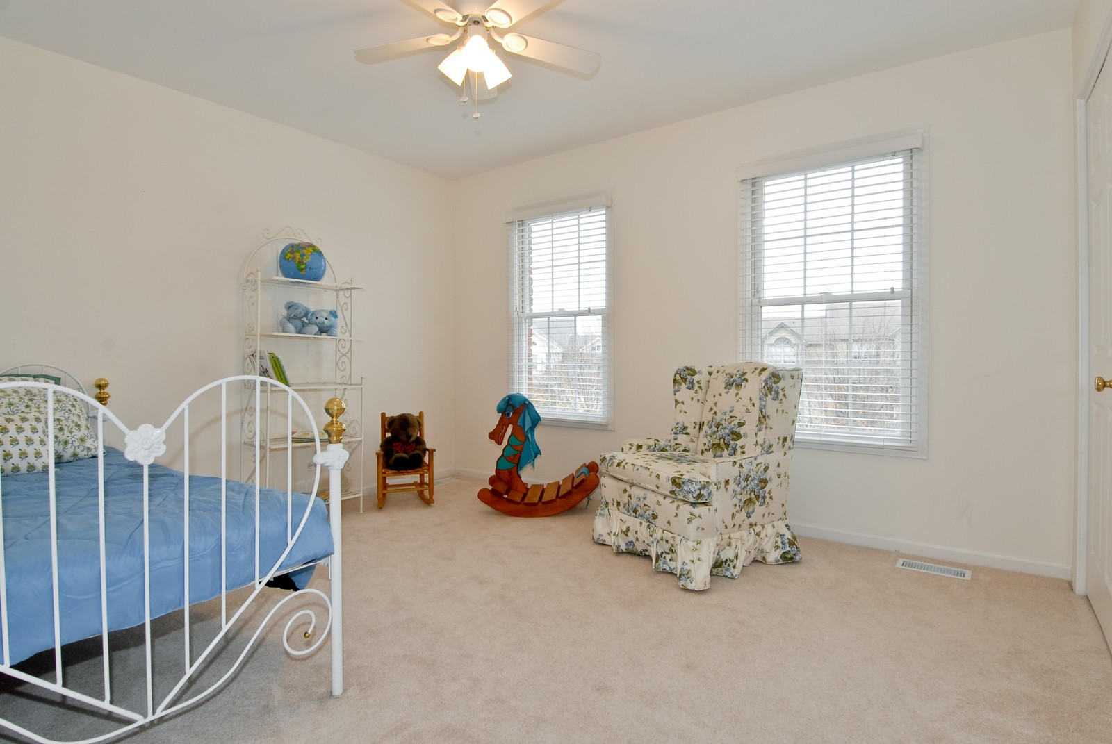 Real Estate Photography - 2111 Sisters Ave, Naperville, IL, 60564 - 3rd Bedroom