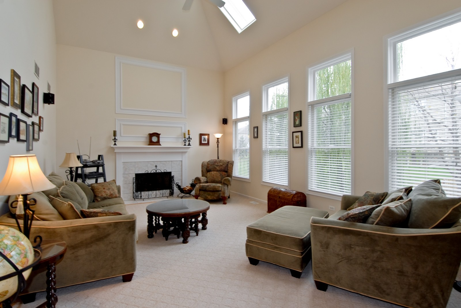 Real Estate Photography - 2111 Sisters Ave, Naperville, IL, 60564 - Family Room