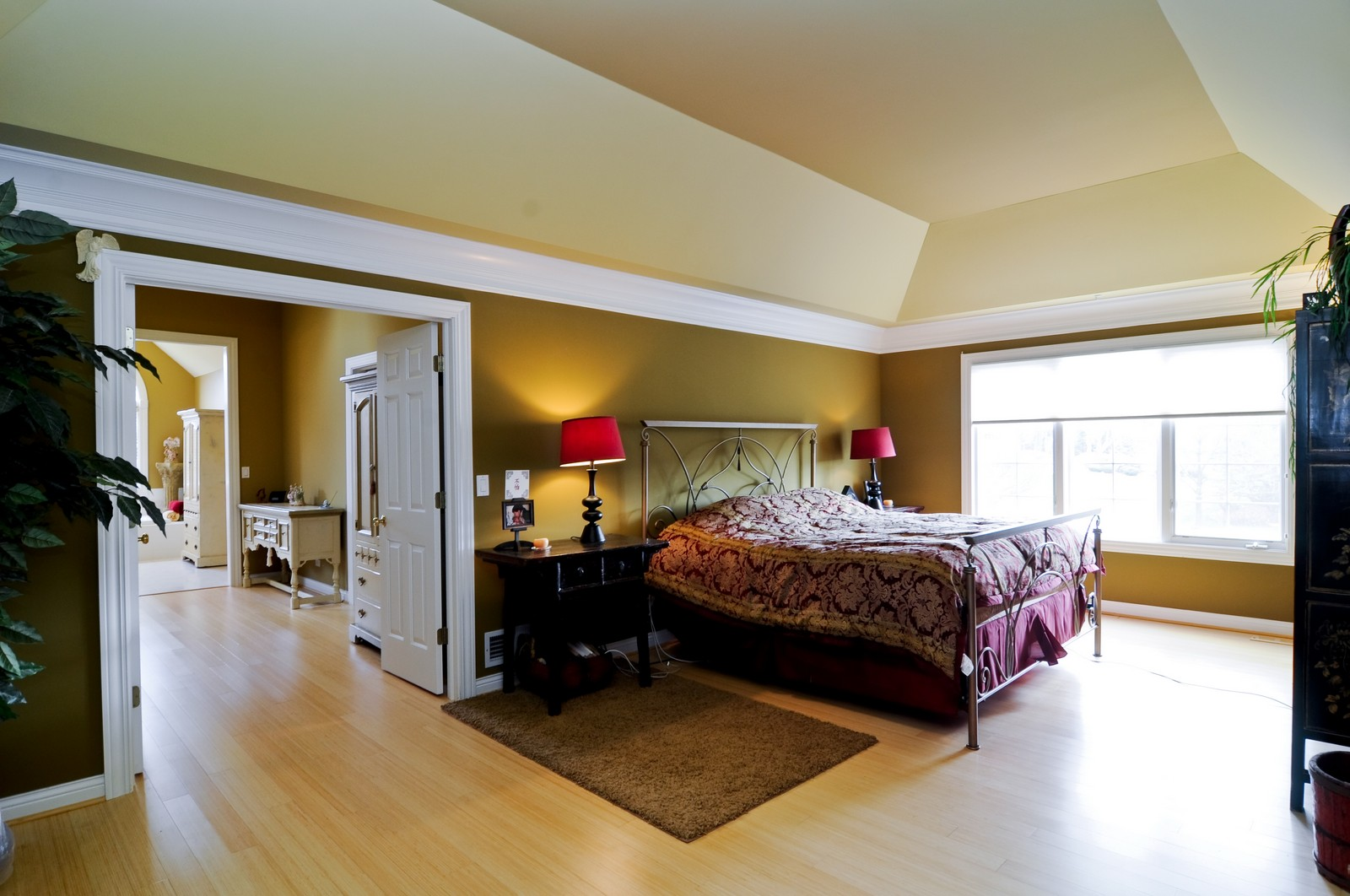 Real Estate Photography - 27137 Driftwood Ct, Lake Barrington, IL, 60010 - Master Bedroom