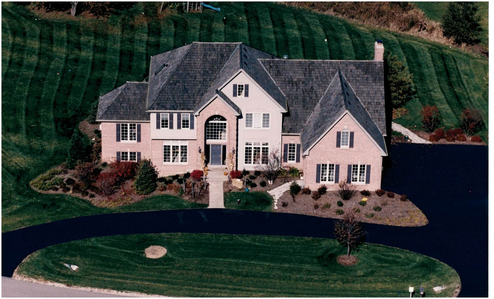 Real Estate Photography - 27137 Driftwood Ct, Lake Barrington, IL, 60010 - Aerial View