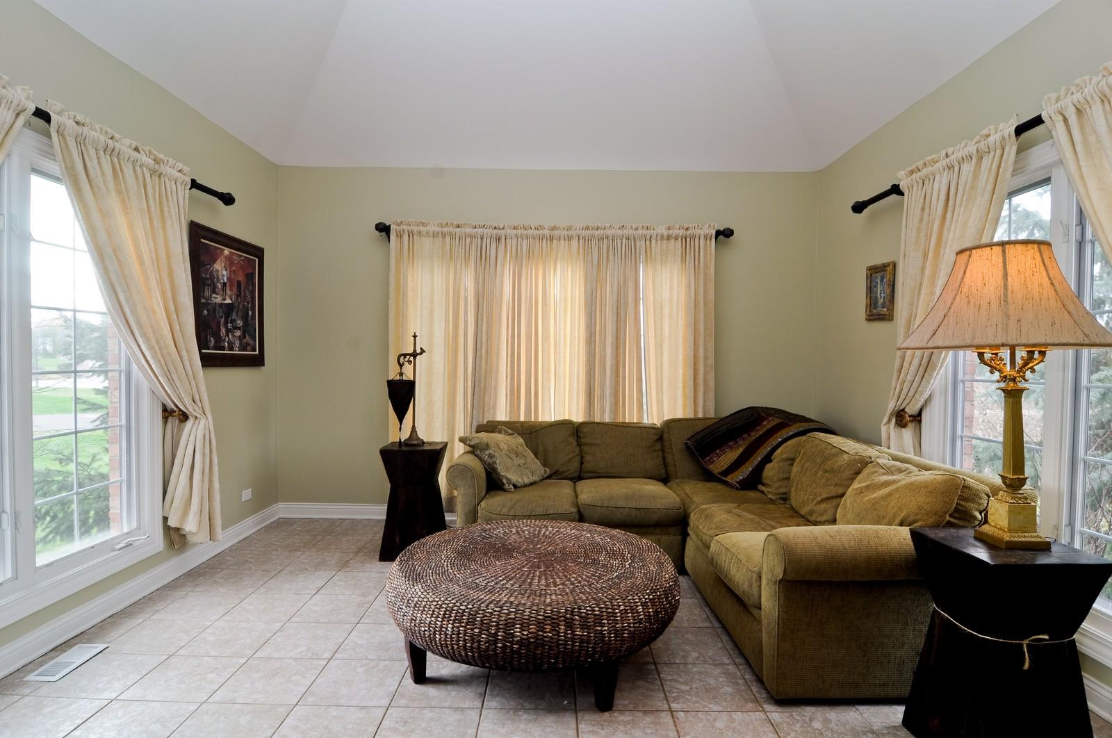 Real Estate Photography - 27137 Driftwood Ct, Lake Barrington, IL, 60010 - Den