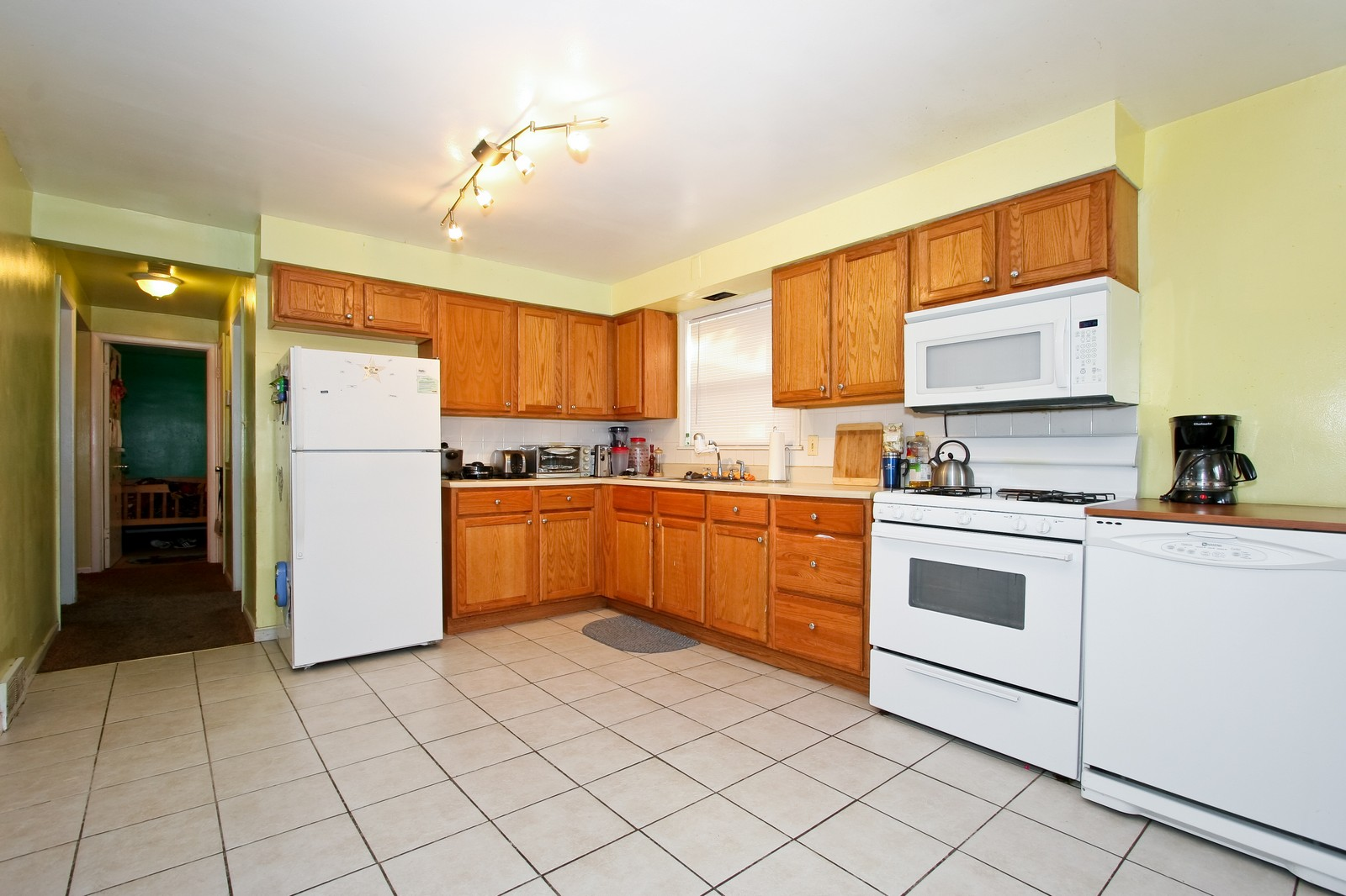 Real Estate Photography - 12462 S Wabash, Chicago, IL, 60620 - Kitchen