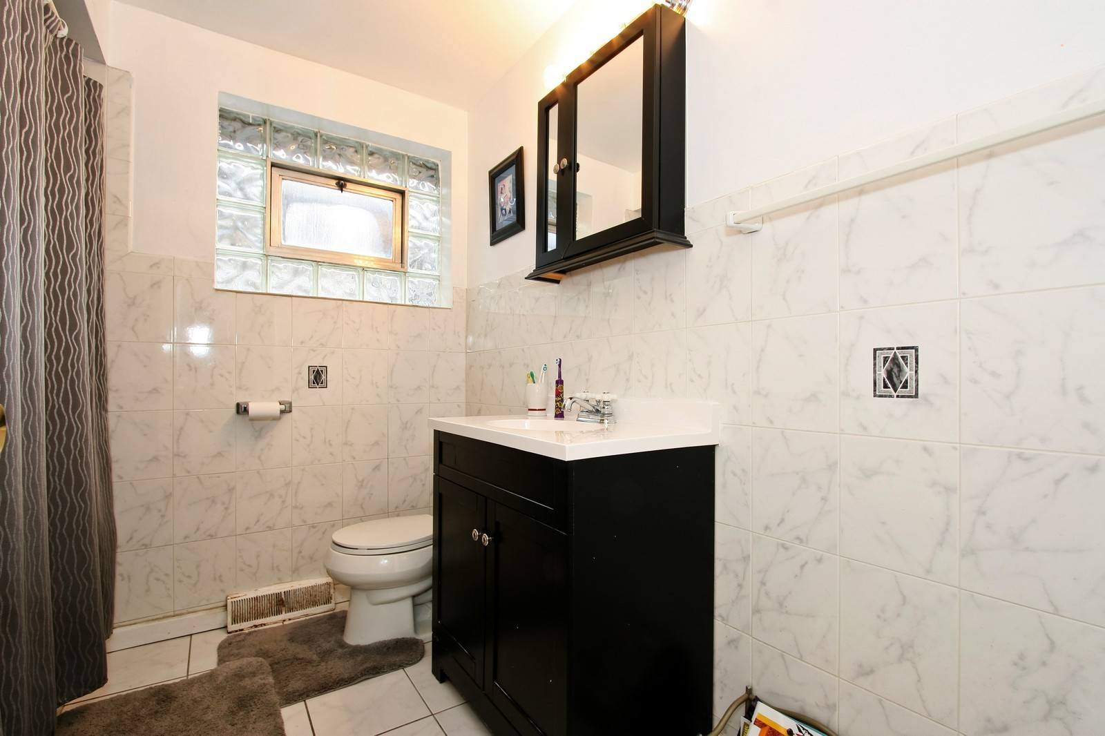 Real Estate Photography - 12462 S Wabash, Chicago, IL, 60620 - Bathroom