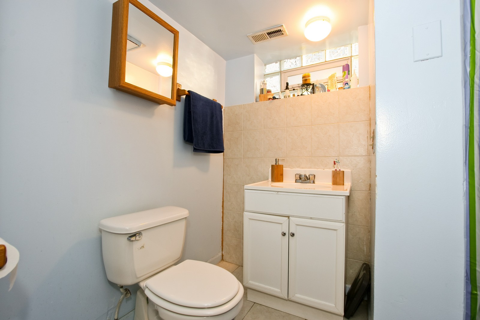 Real Estate Photography - 12462 S Wabash, Chicago, IL, 60620 - 2nd Bathroom