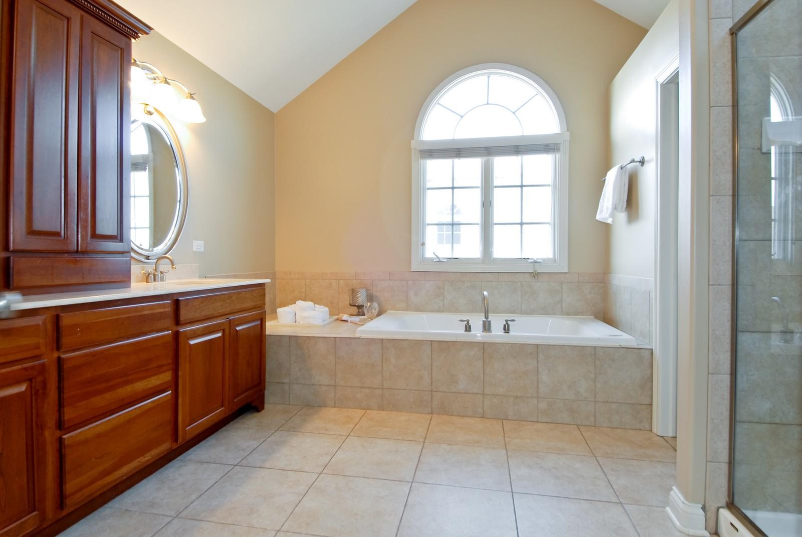 Real Estate Photography - 3839 Junebreeze Ln, Naperville, IL, 60564 - Master Bathroom