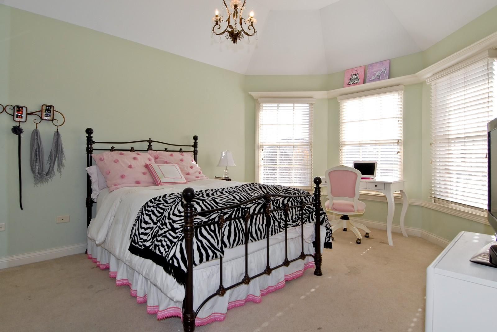Real Estate Photography - 3839 Junebreeze Ln, Naperville, IL, 60564 - 3rd Bedroom