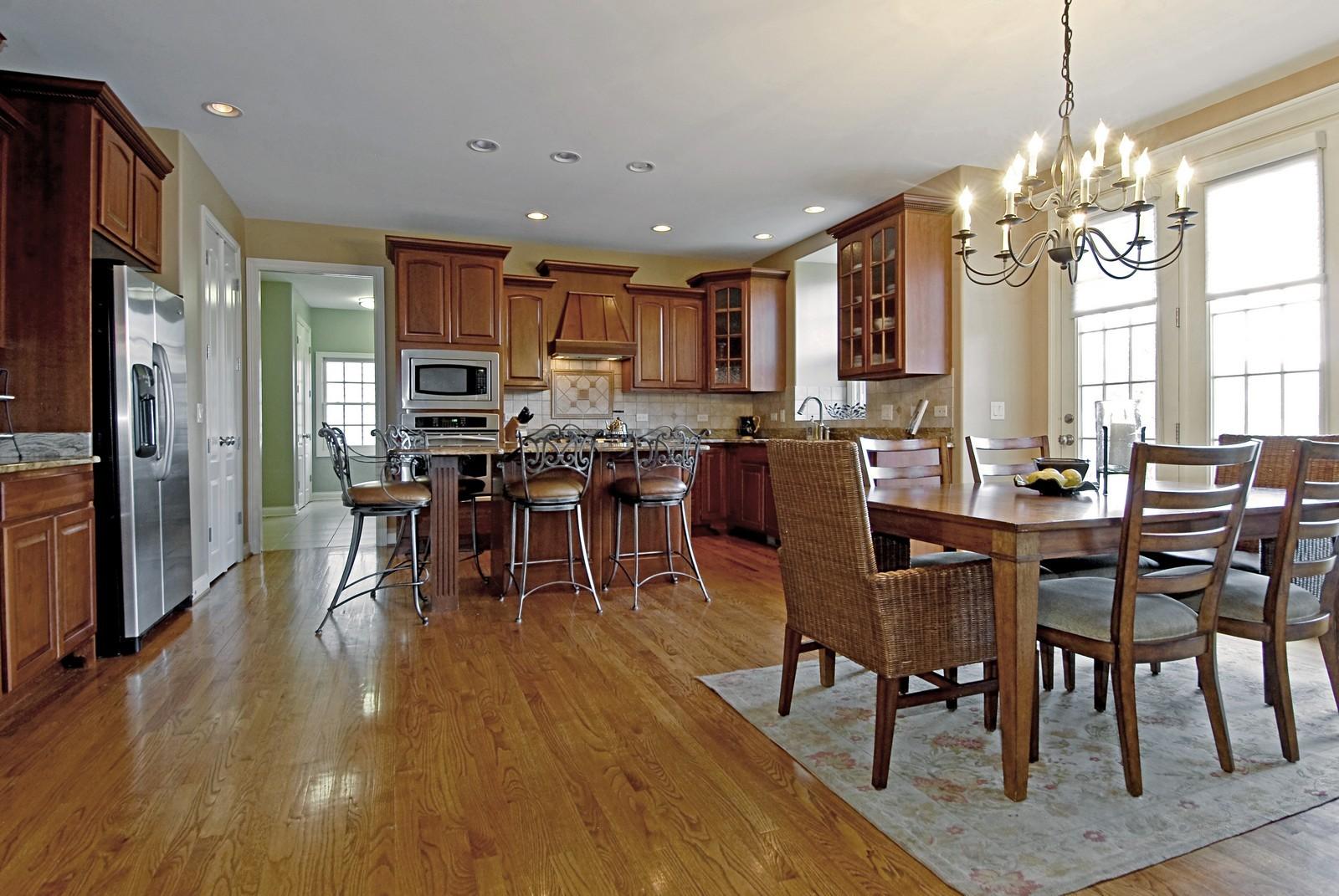 Real Estate Photography - 3839 Junebreeze Ln, Naperville, IL, 60564 - Kitchen / Breakfast Room