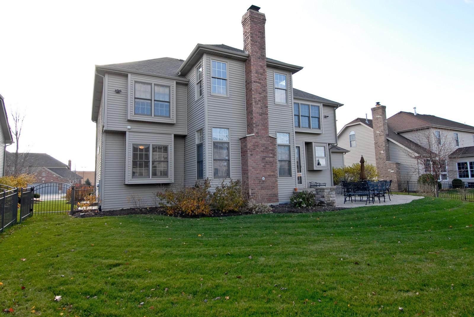 Real Estate Photography - 3839 Junebreeze Ln, Naperville, IL, 60564 - Rear View