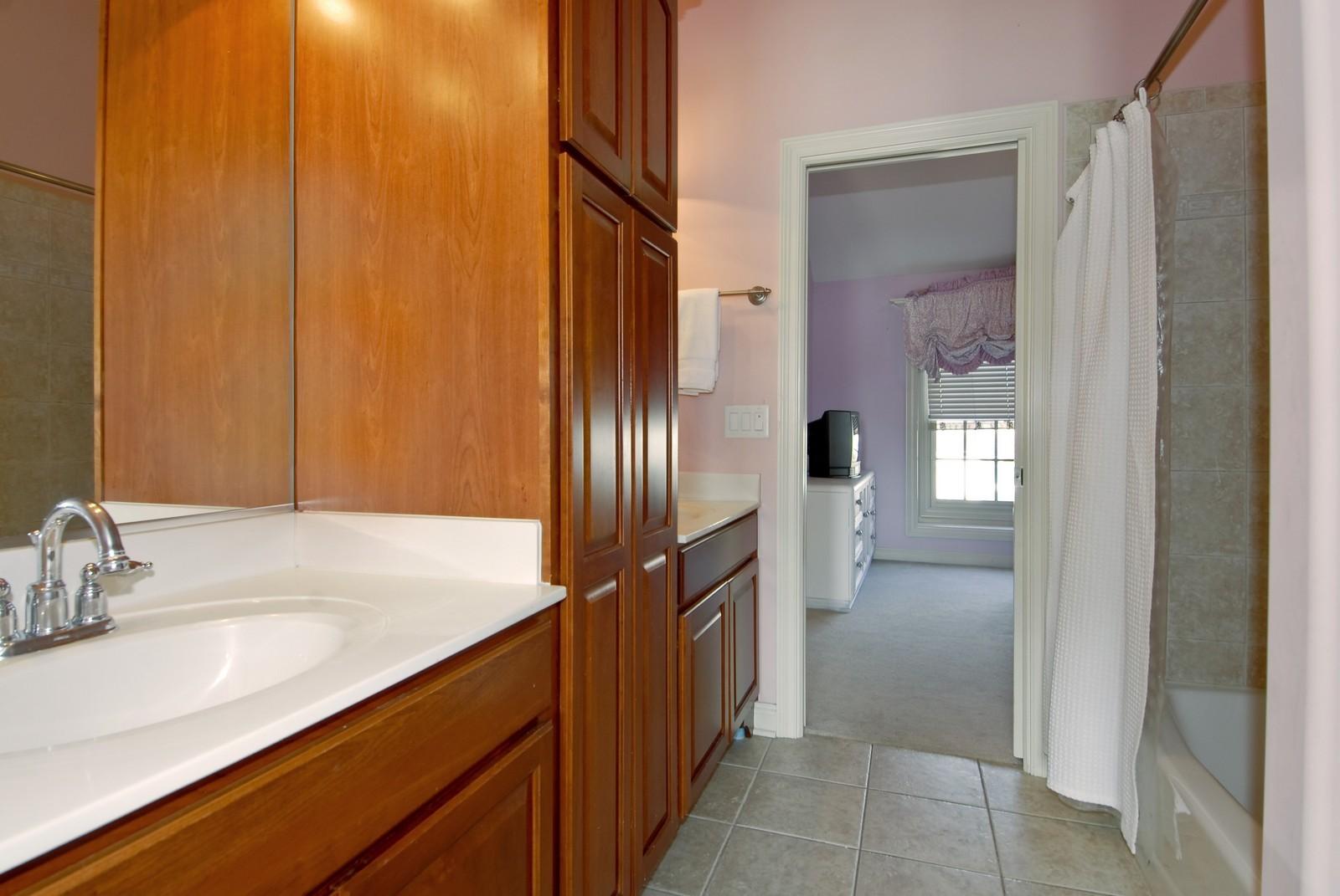 Real Estate Photography - 3839 Junebreeze Ln, Naperville, IL, 60564 - 2nd Bathroom