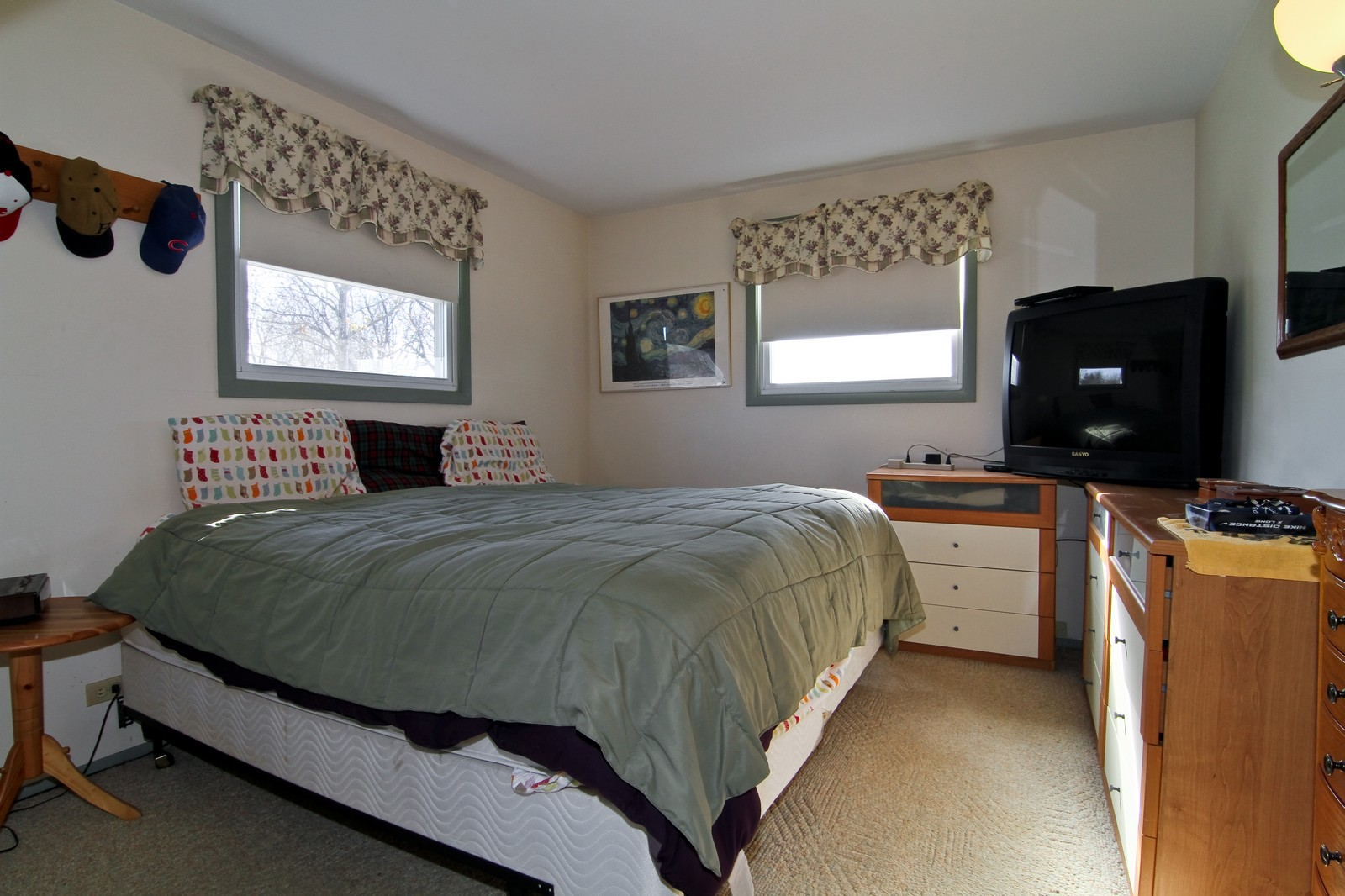 Real Estate Photography - 368 Thunderbird Trl, Carol Stream, IL, 60188 - 2nd Bedroom