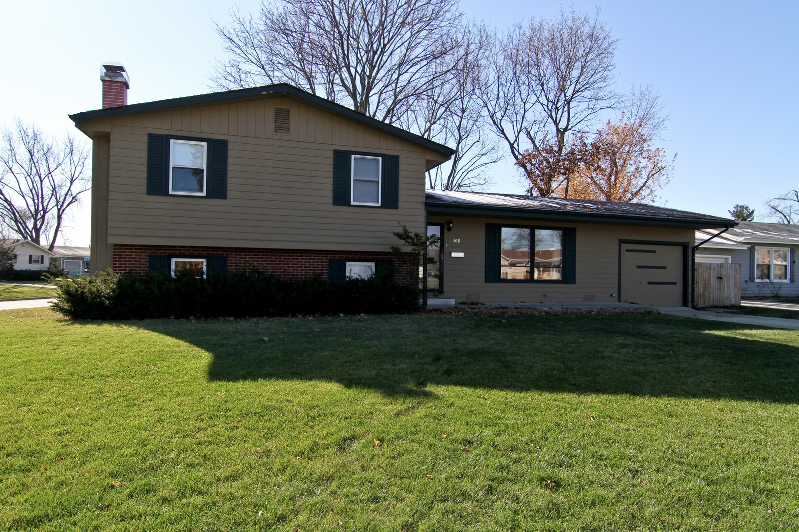 Real Estate Photography - 368 Thunderbird Trl, Carol Stream, IL, 60188 - Front View