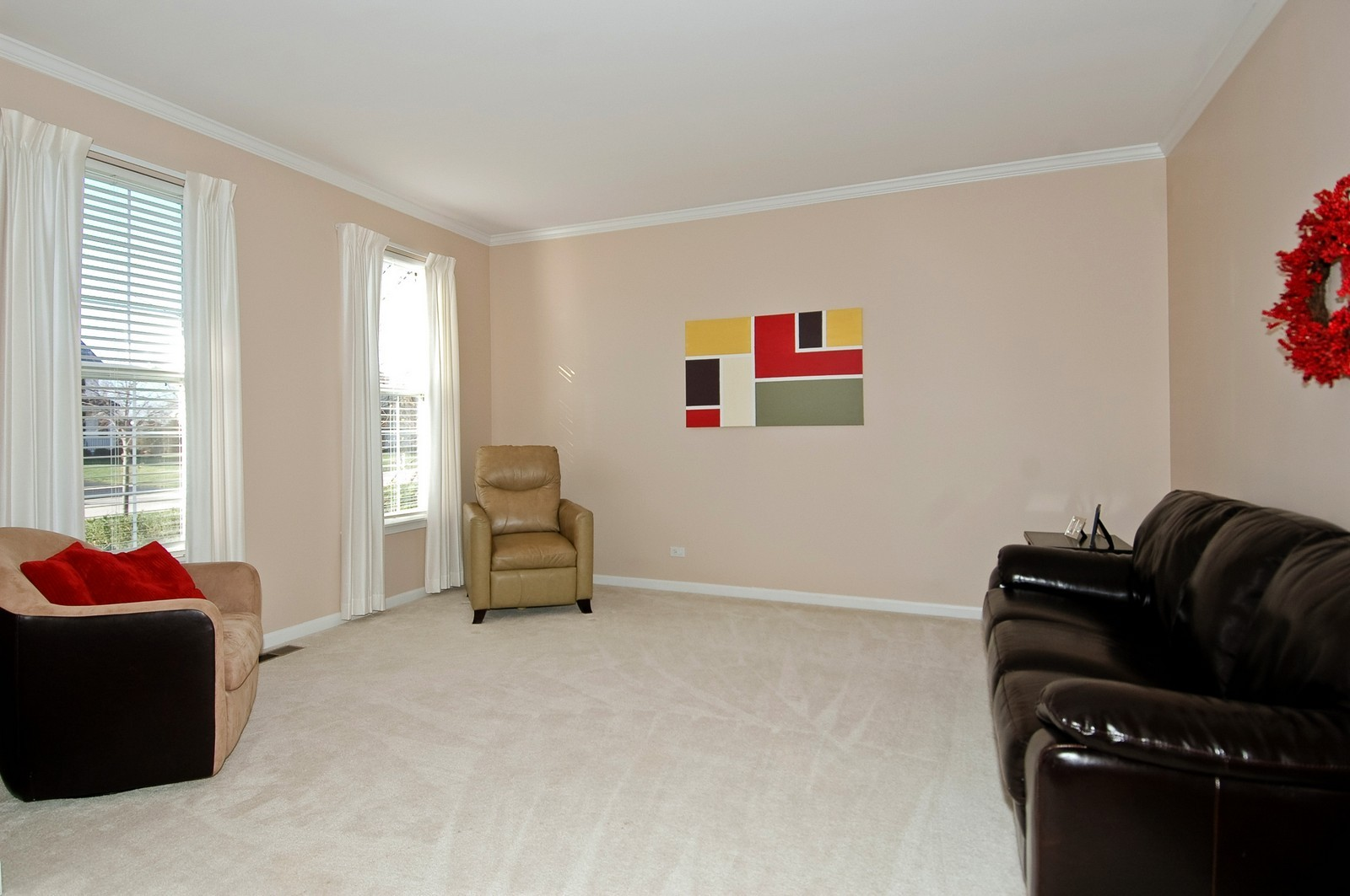 Real Estate Photography - 1513 Rolling Hills Dr, Crystal Lake, IL, 60014 - Living Room