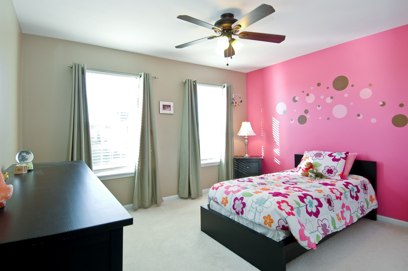 Real Estate Photography - 1513 Rolling Hills Dr, Crystal Lake, IL, 60014 - Bedroom