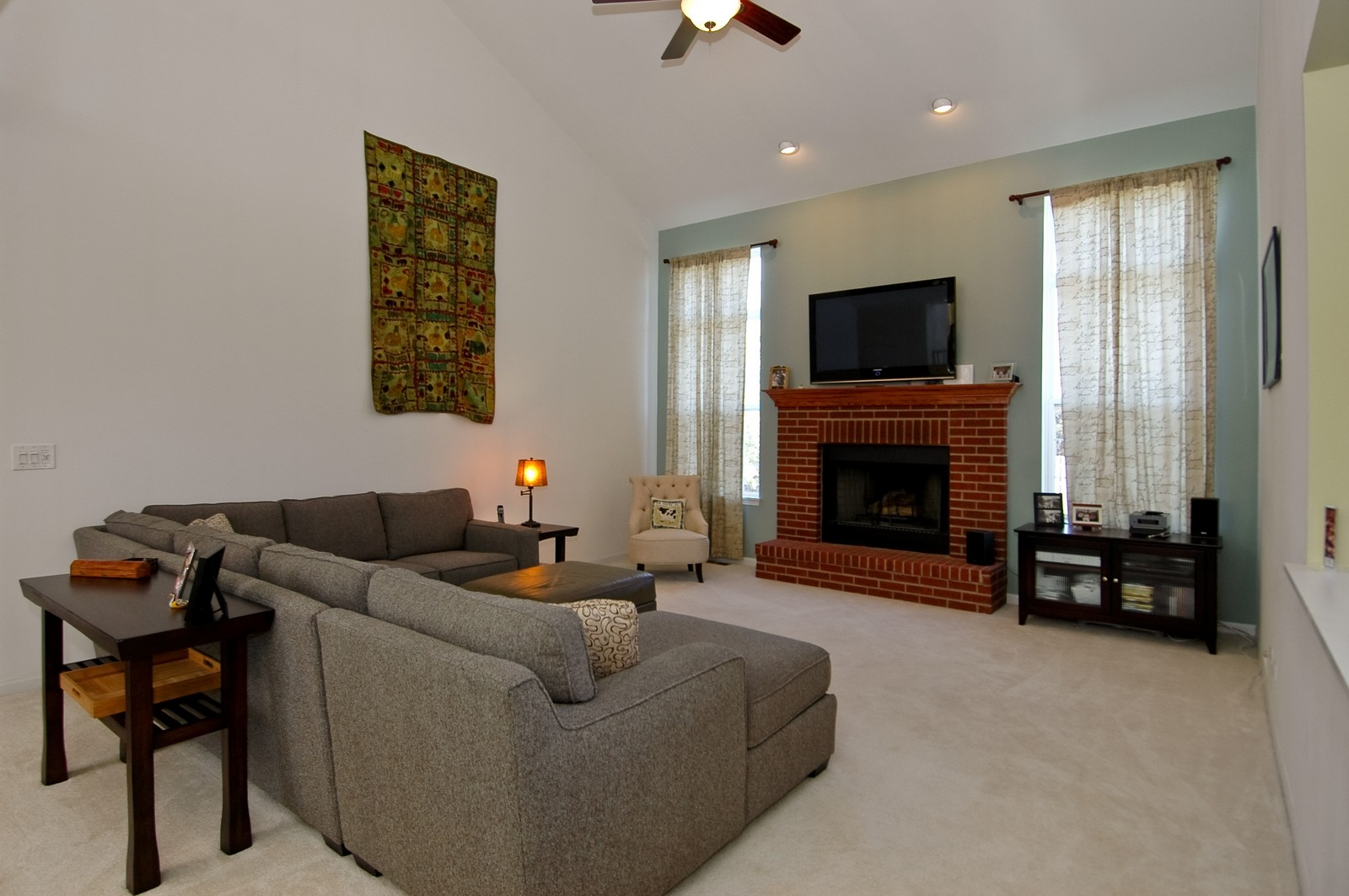 Real Estate Photography - 1513 Rolling Hills Dr, Crystal Lake, IL, 60014 - Family Room
