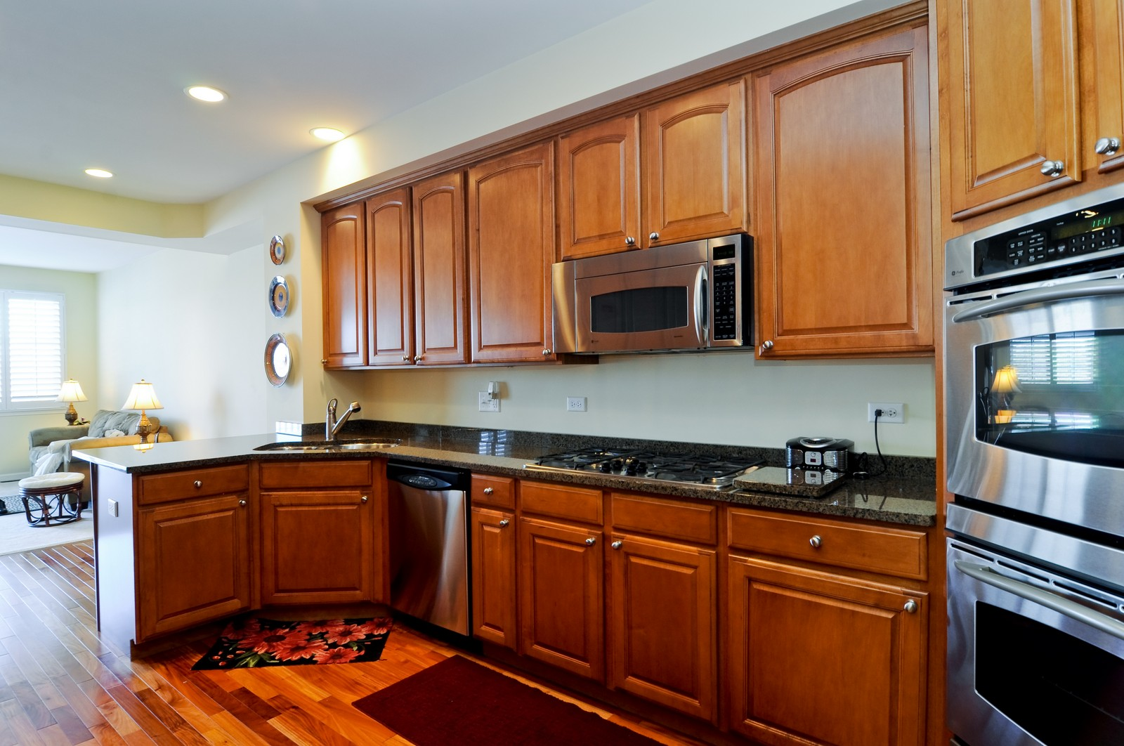 Real Estate Photography - 1004 Orchard Pond Ct, Lake Zurich, IL, 60047 - Kitchen