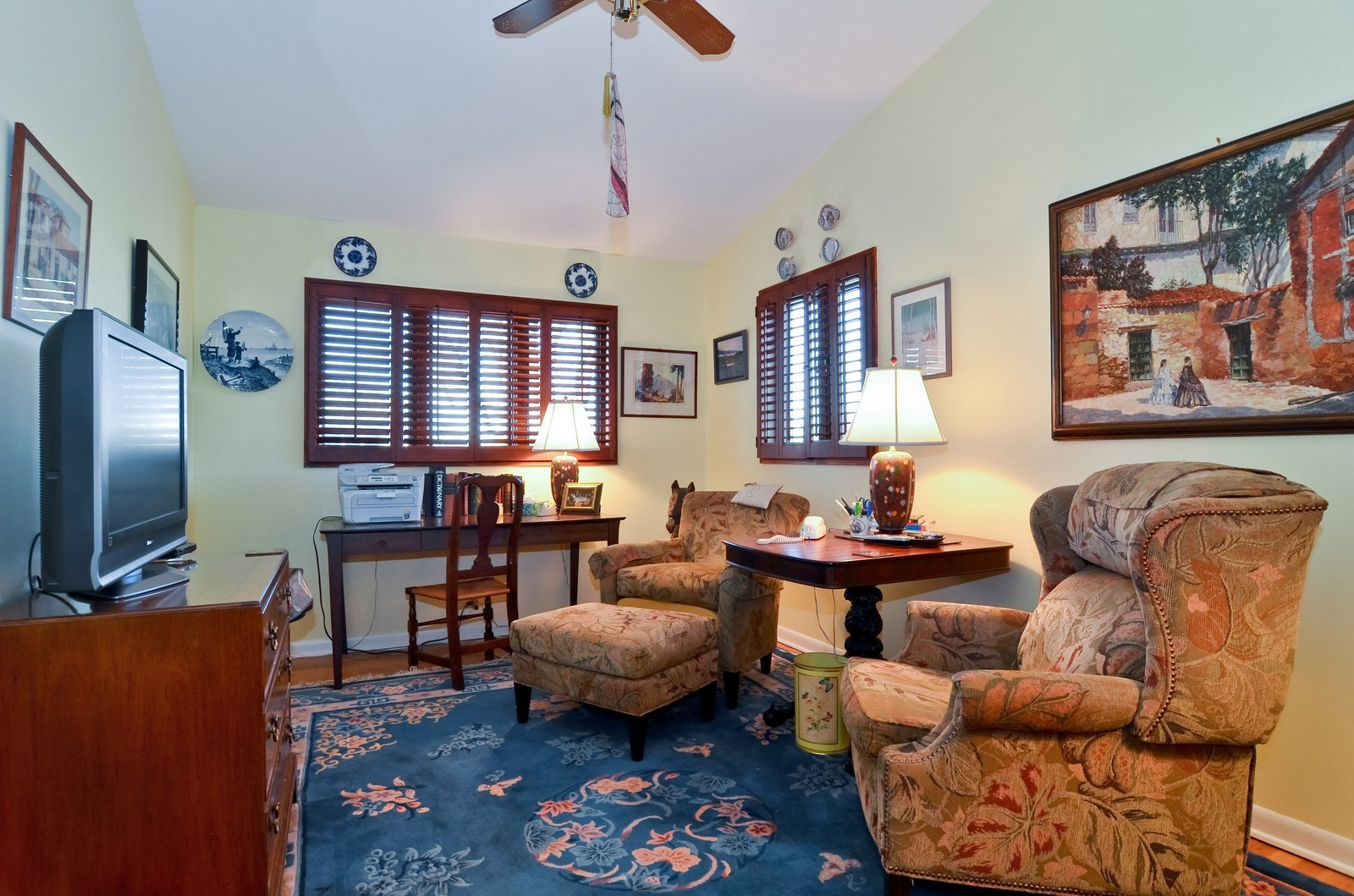 Real Estate Photography - 308 W Frontage Rd, Northfield, IL, 60093 - 2nd Bedroom