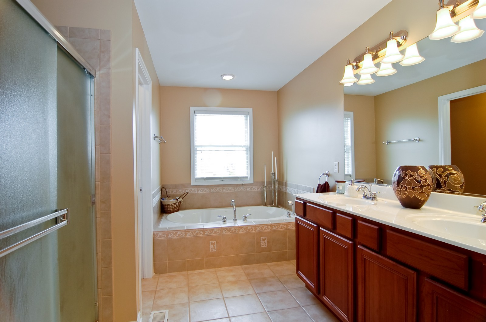 Real Estate Photography - 0S580 Preston Cir, Geneva, IL, 60134 - Master Bathroom