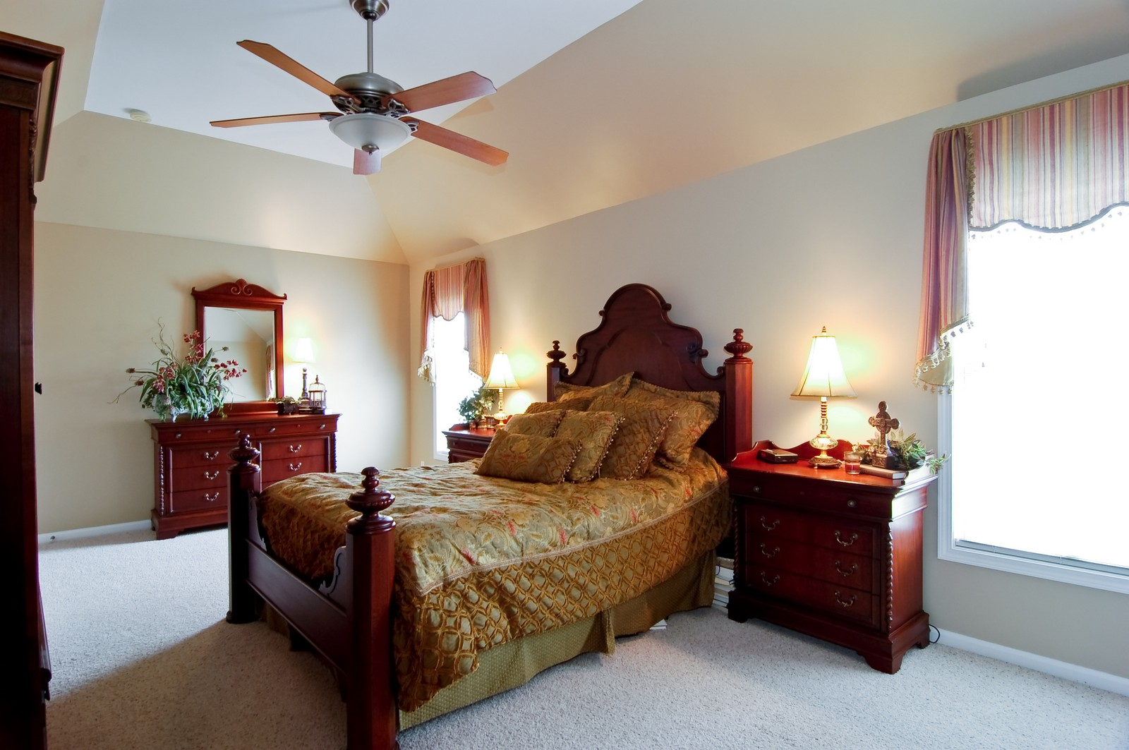 Real Estate Photography - 0S580 Preston Cir, Geneva, IL, 60134 - Master Bedroom