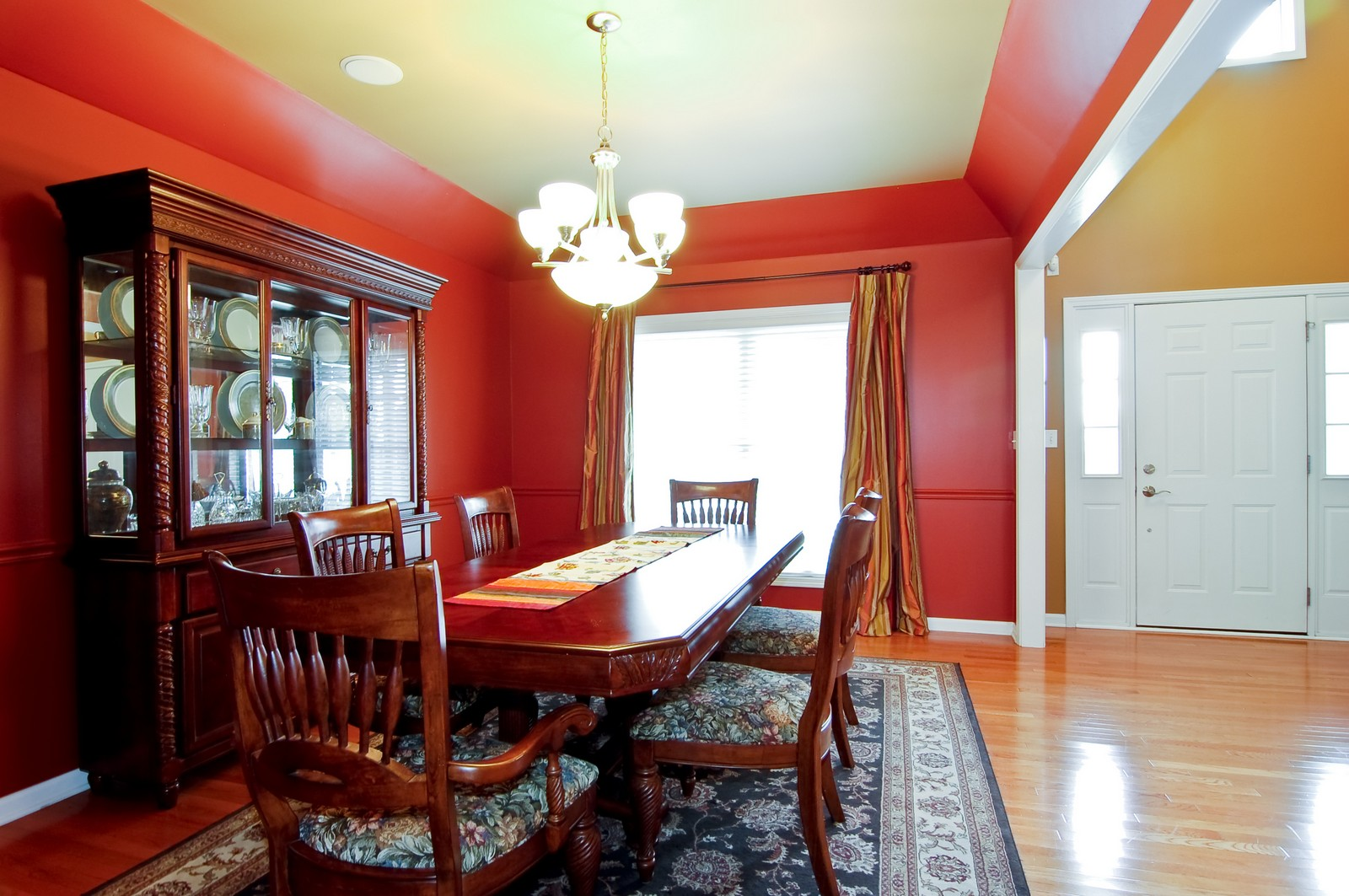 Real Estate Photography - 0S580 Preston Cir, Geneva, IL, 60134 - Dining Room