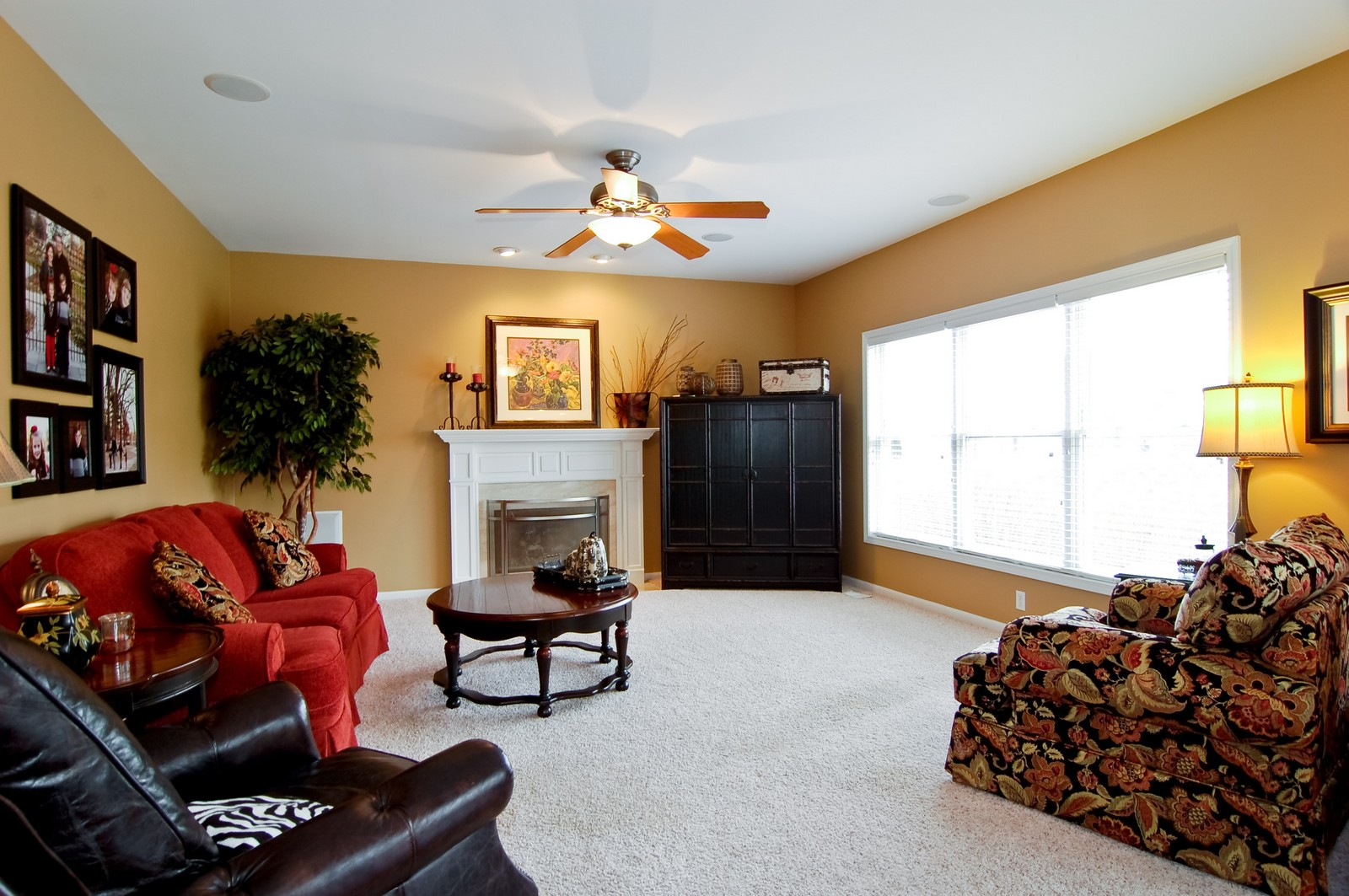 Real Estate Photography - 0S580 Preston Cir, Geneva, IL, 60134 - Family Room