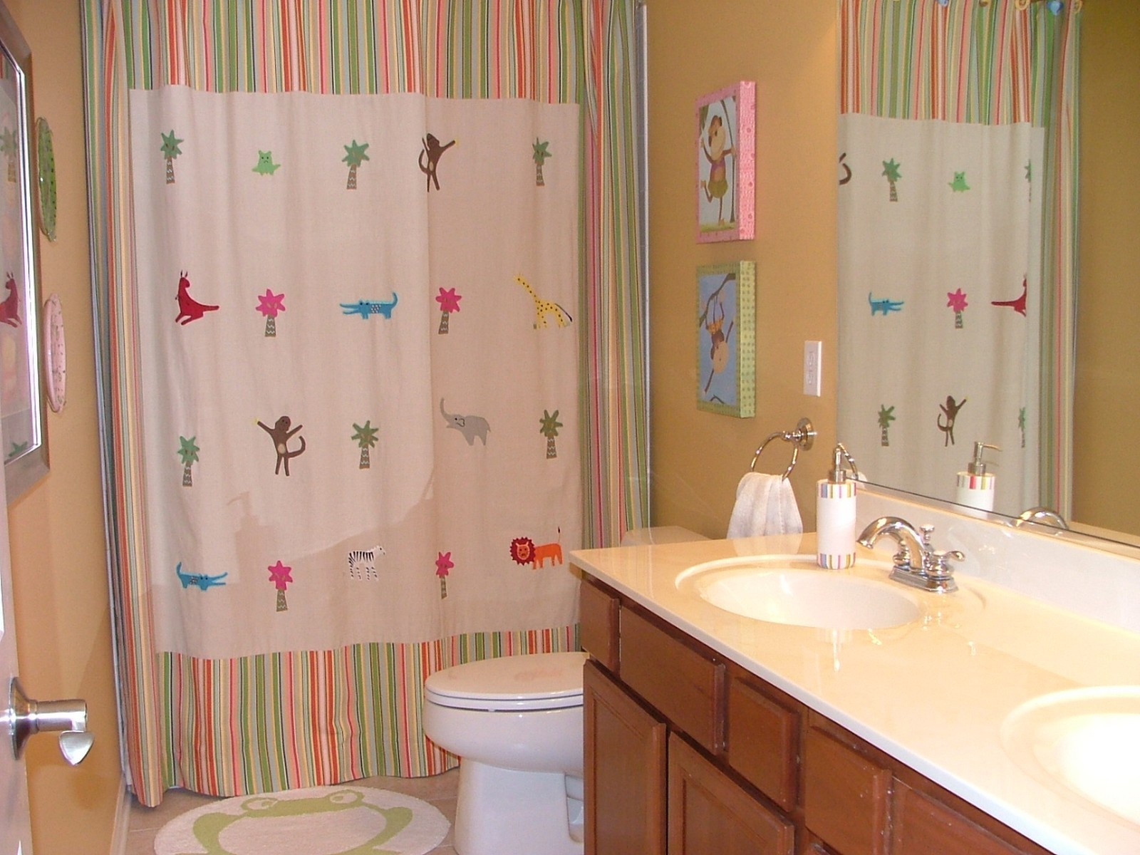 Real Estate Photography - 0S580 Preston Cir, Geneva, IL, 60134 - Bathroom