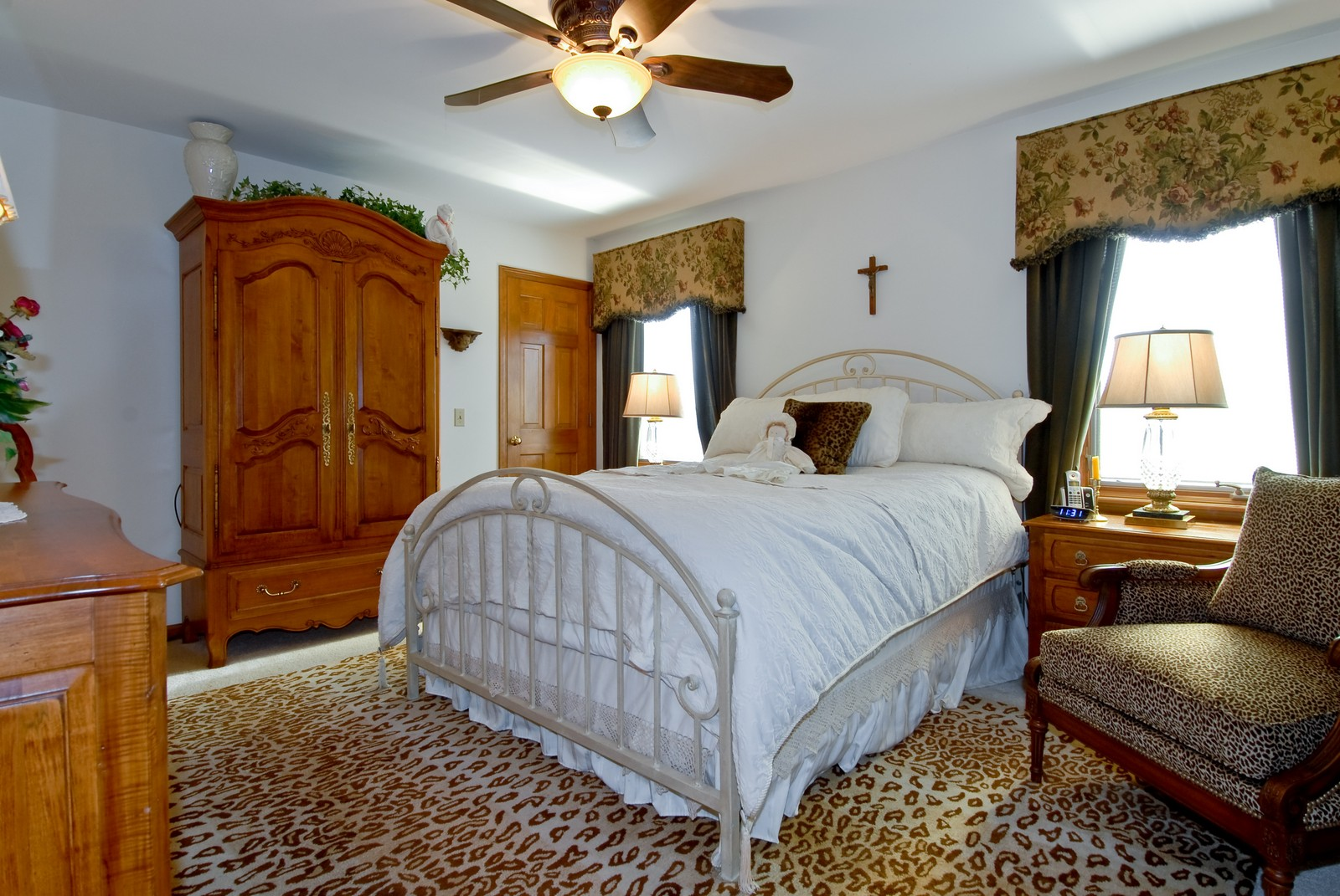 Real Estate Photography - 14 N Dixon Rd, Batavia, IL, 60510 - Master Bedroom