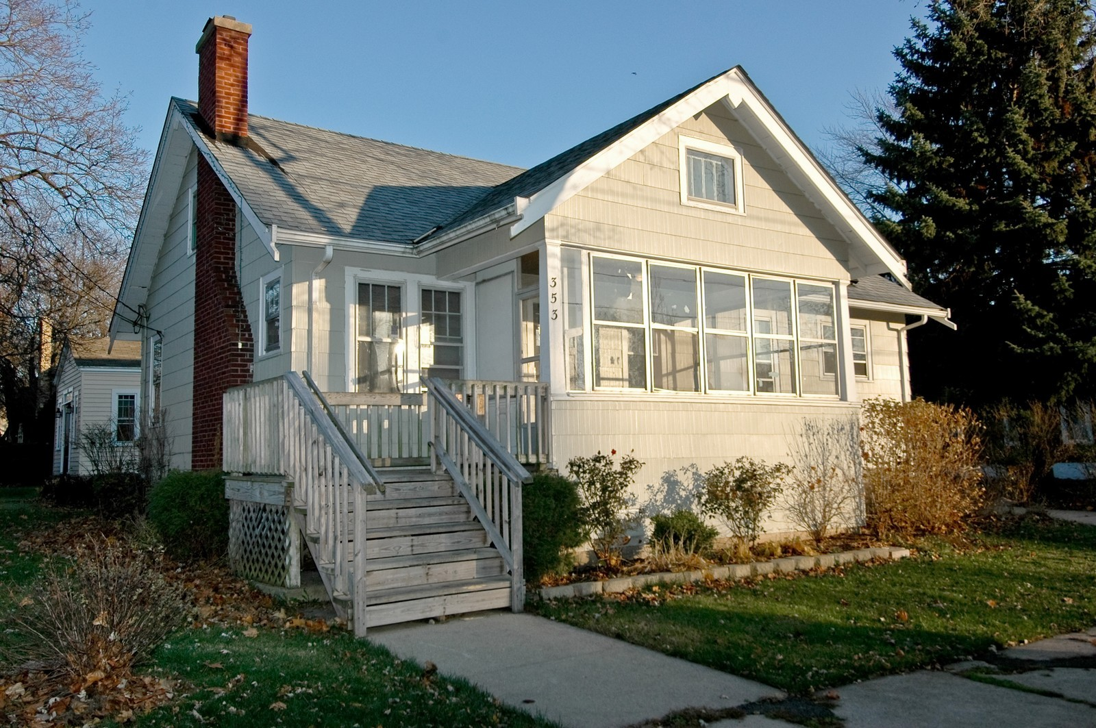 Real Estate Photography - 353 Jewett St, Elgin, IL, 60123 - Front View
